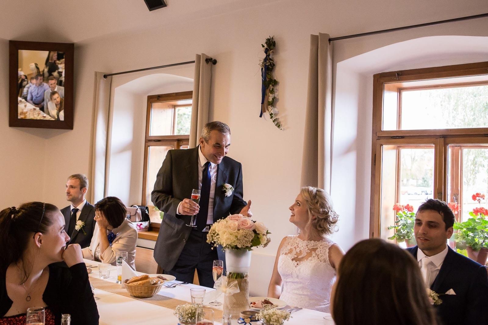 svatba Praha Celakovice svatebni fotograf-381