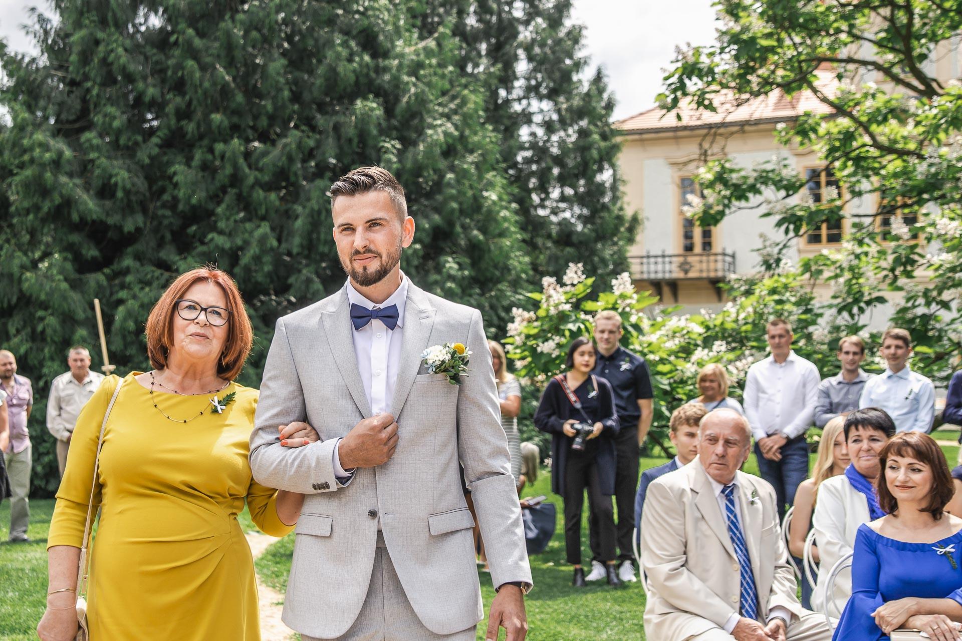 svatební-fotograf-zámek-Loučeň-svatební-video-zámek-Loučeň-3589