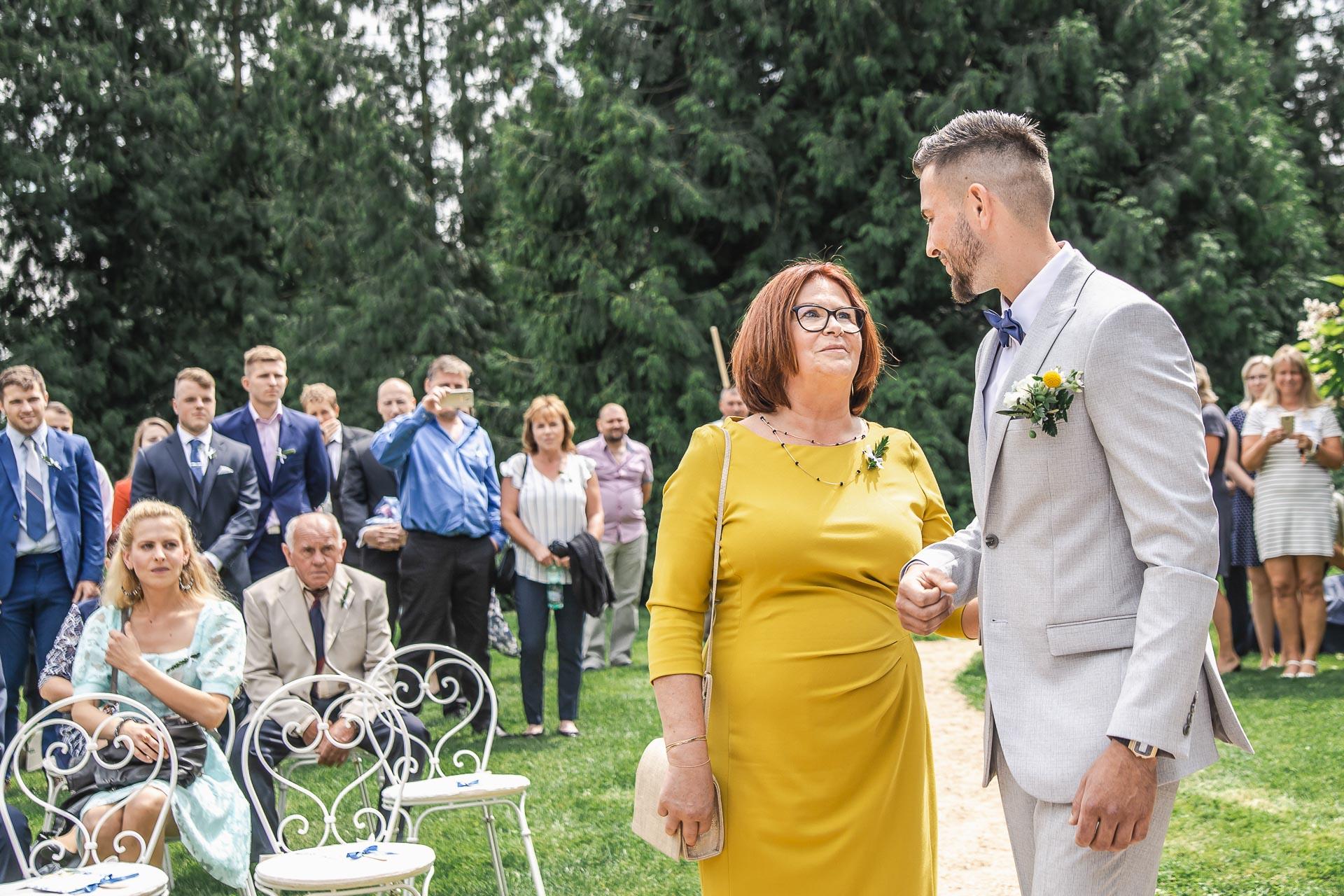 svatební-fotograf-zámek-Loučeň-svatební-video-zámek-Loučeň-3590