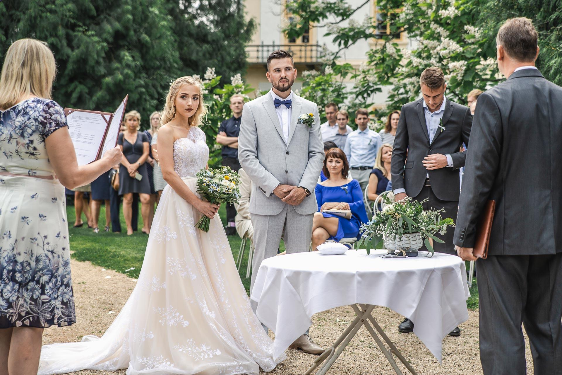 svatební-fotograf-zámek-Loučeň-svatební-video-zámek-Loučeň-3630