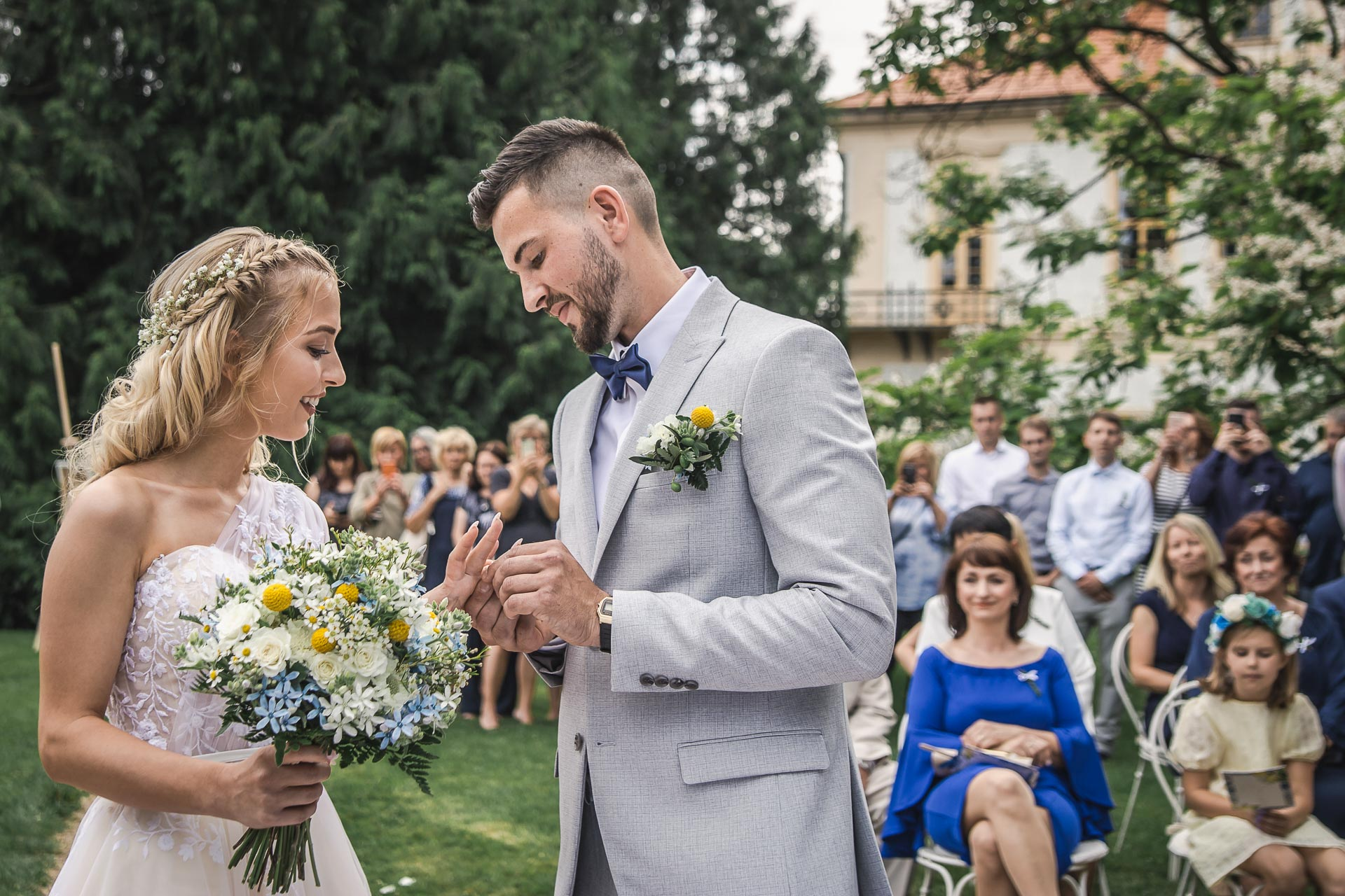 svatební-fotograf-zámek-Loučeň-svatební-video-zámek-Loučeň-3655