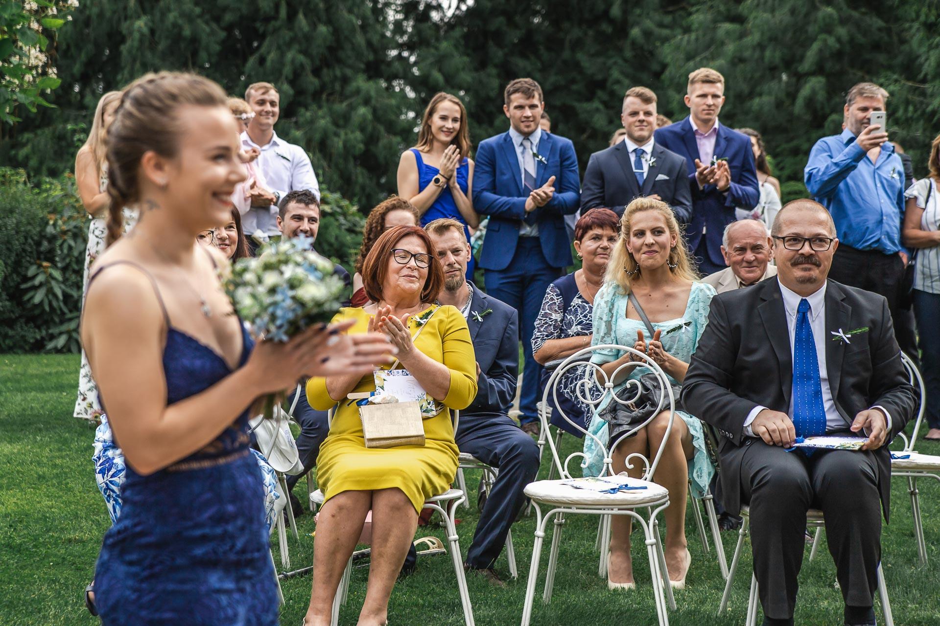 svatební-fotograf-zámek-Loučeň-svatební-video-zámek-Loučeň-3670