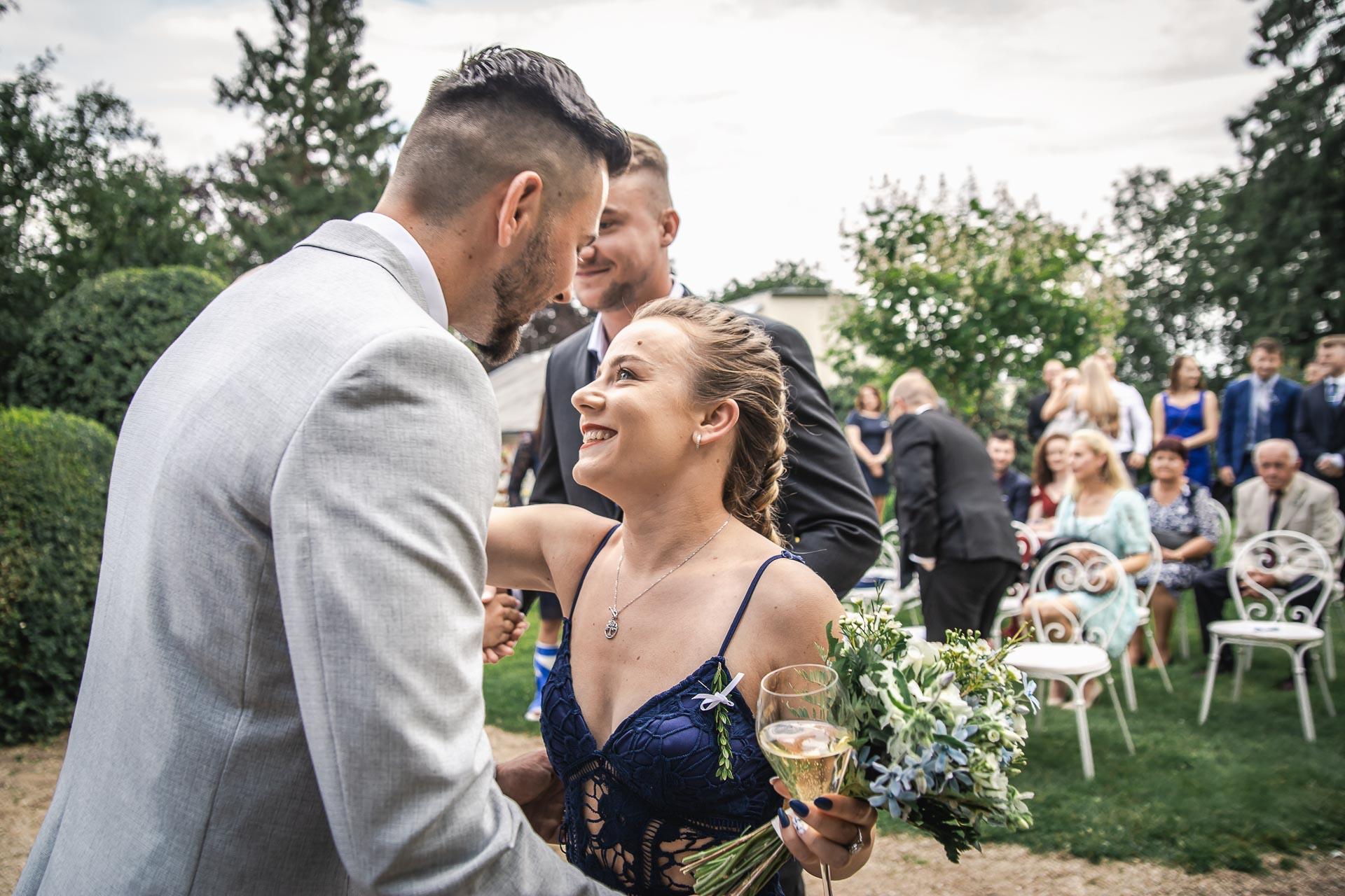 svatební-fotograf-zámek-Loučeň-svatební-video-zámek-Loučeň-3708
