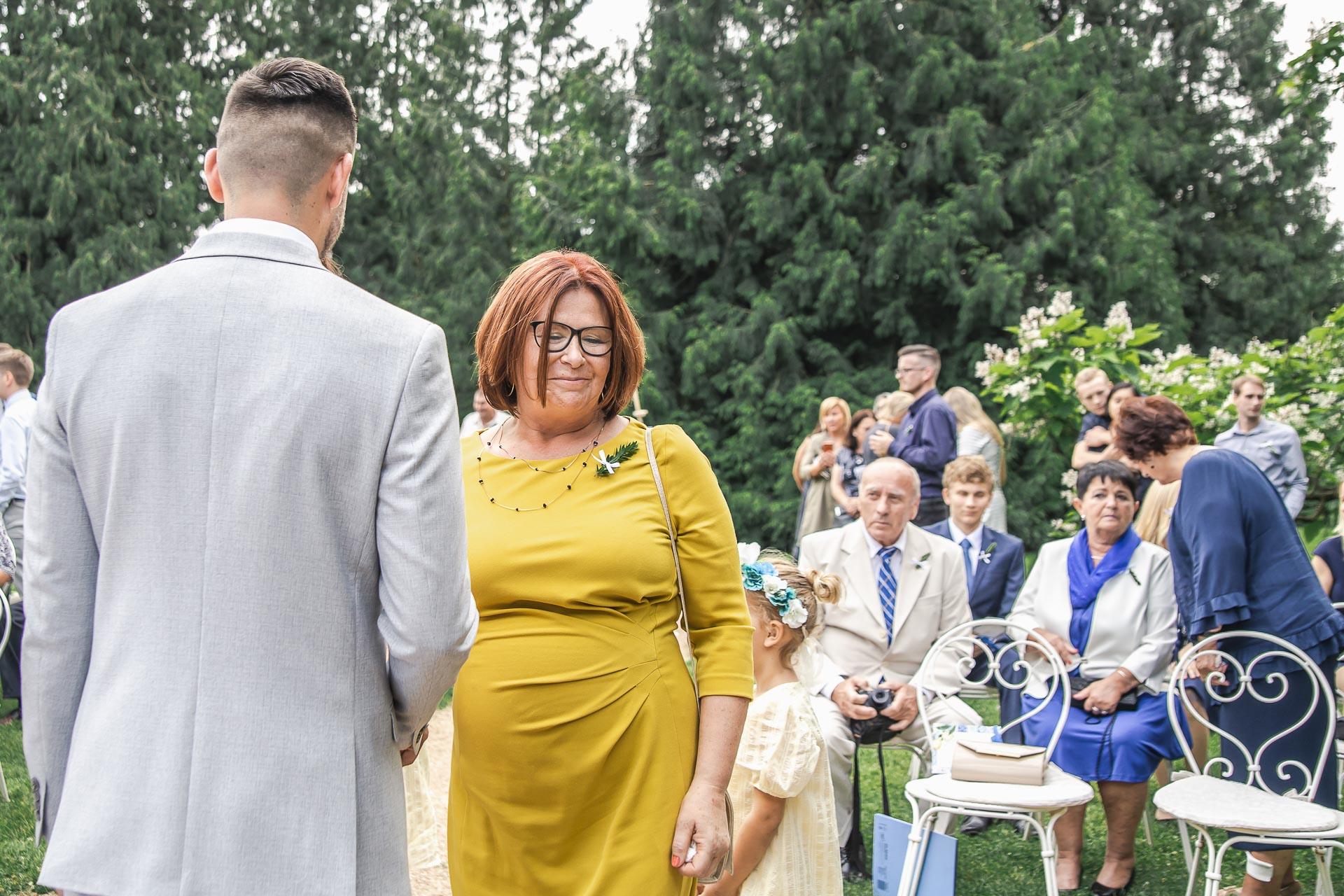 svatební-fotograf-zámek-Loučeň-svatební-video-zámek-Loučeň-3717