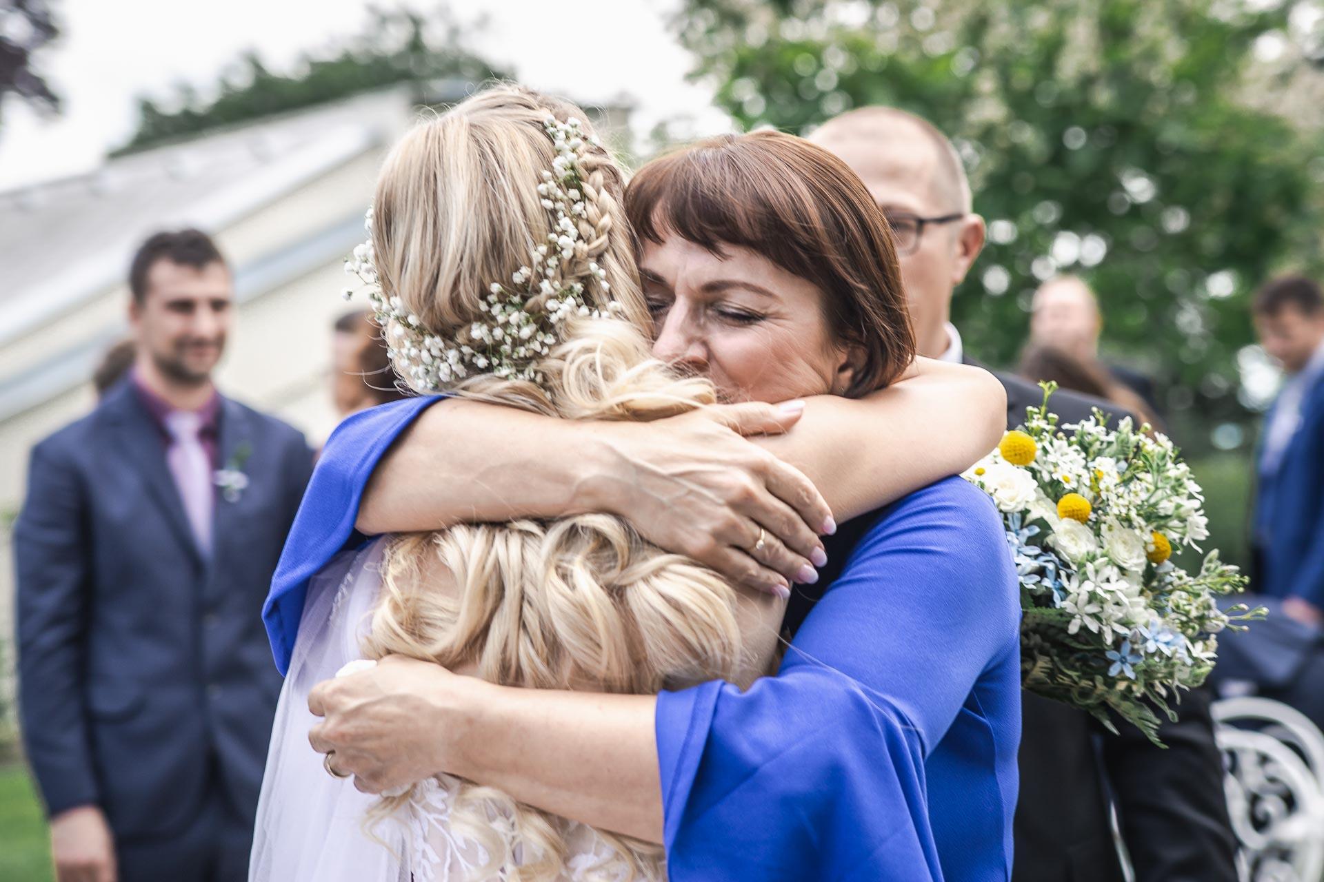 svatební-fotograf-zámek-Loučeň-svatební-video-zámek-Loučeň-3730