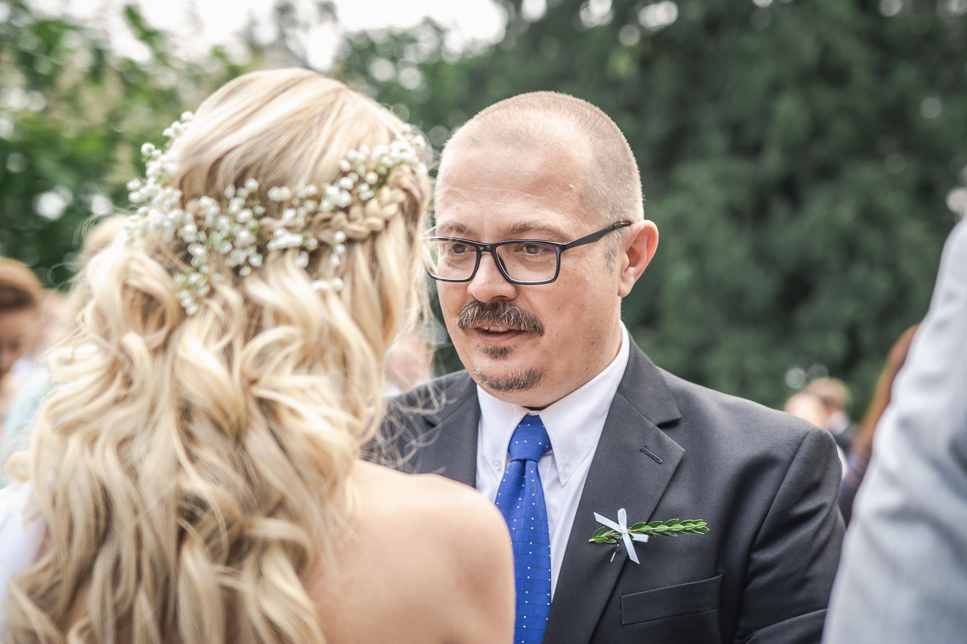 svatební-fotograf-zámek-Loučeň-svatební-video-zámek-Loučeň-3734