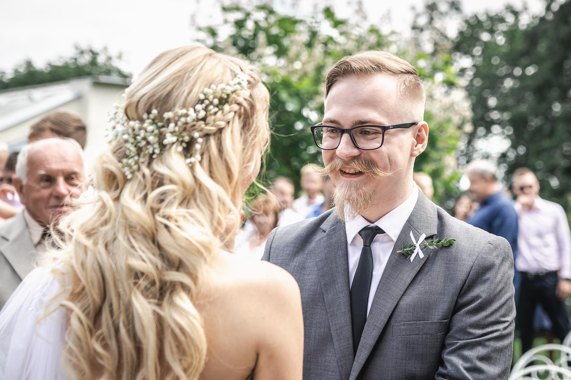 svatební-fotograf-zámek-Loučeň-svatební-video-zámek-Loučeň-3782