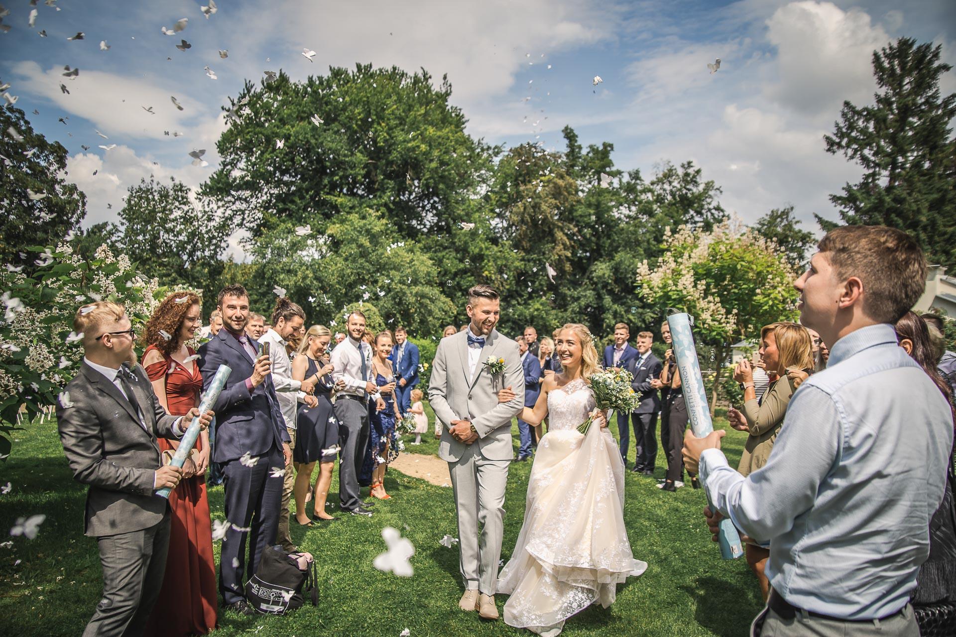 svatební-fotograf-zámek-Loučeň-svatební-video-zámek-Loučeň-3929