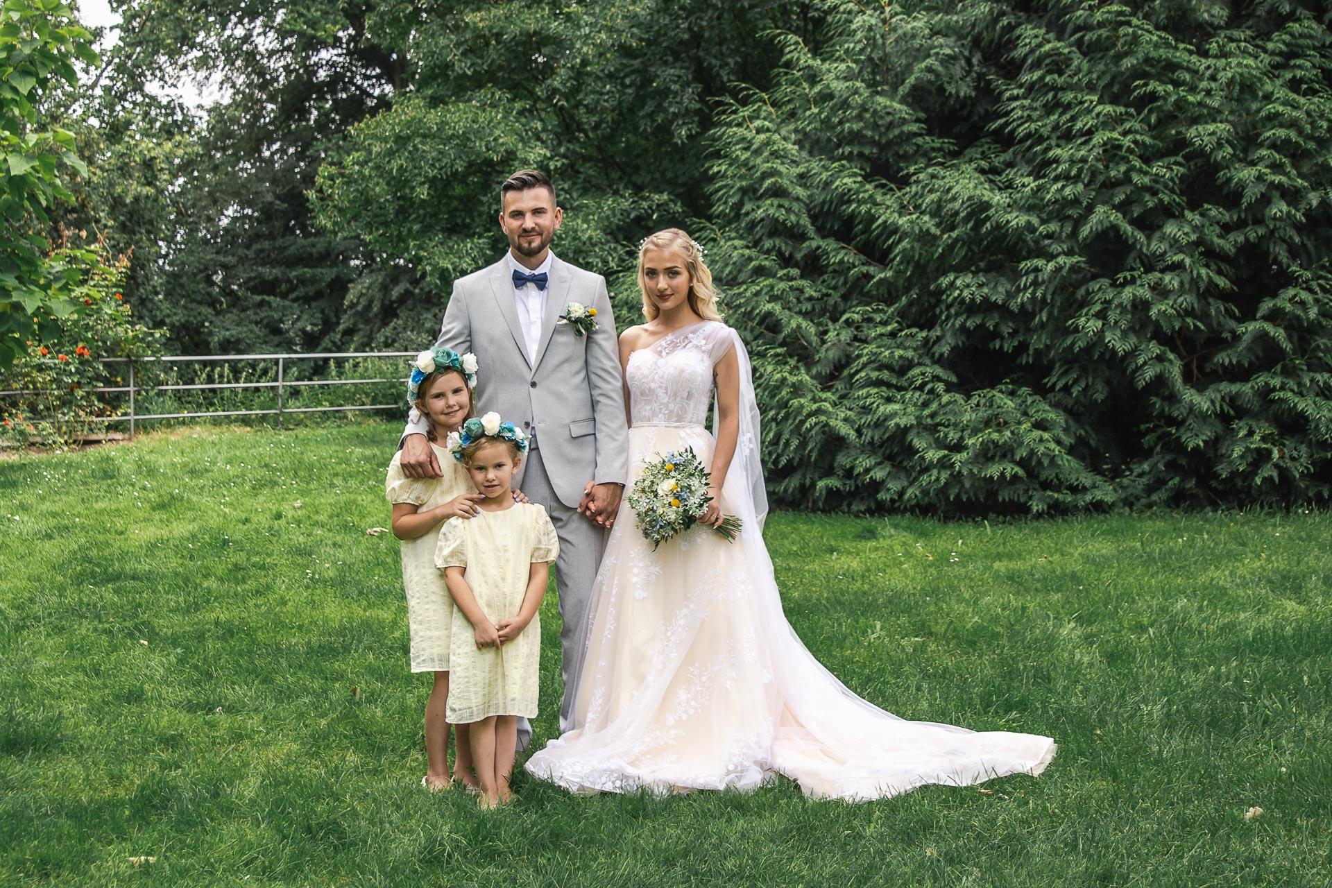 svatební-fotograf-zámek-Loučeň-svatební-video-zámek-Loučeň-3993