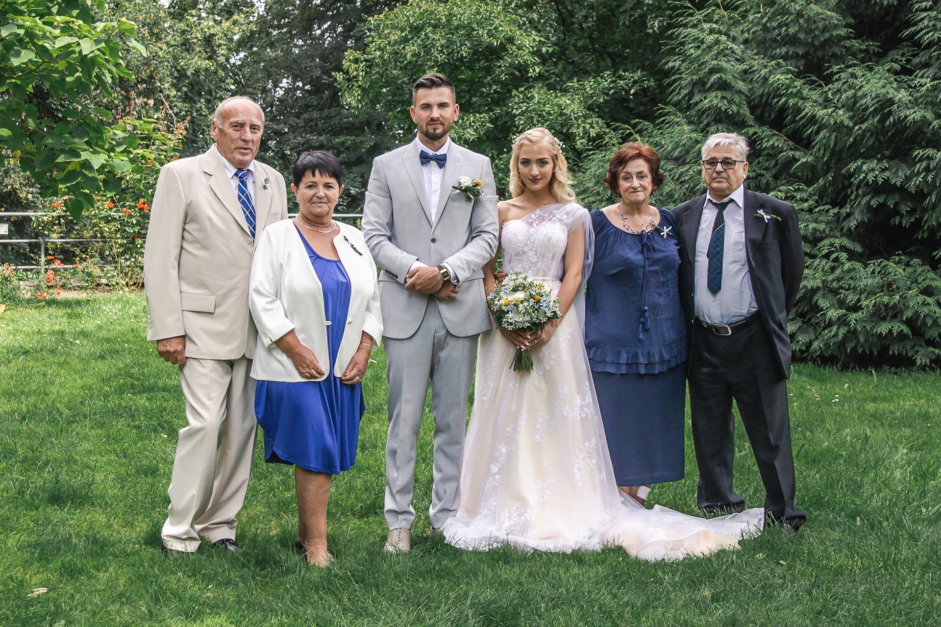 svatební-fotograf-zámek-Loučeň-svatební-video-zámek-Loučeň-4028