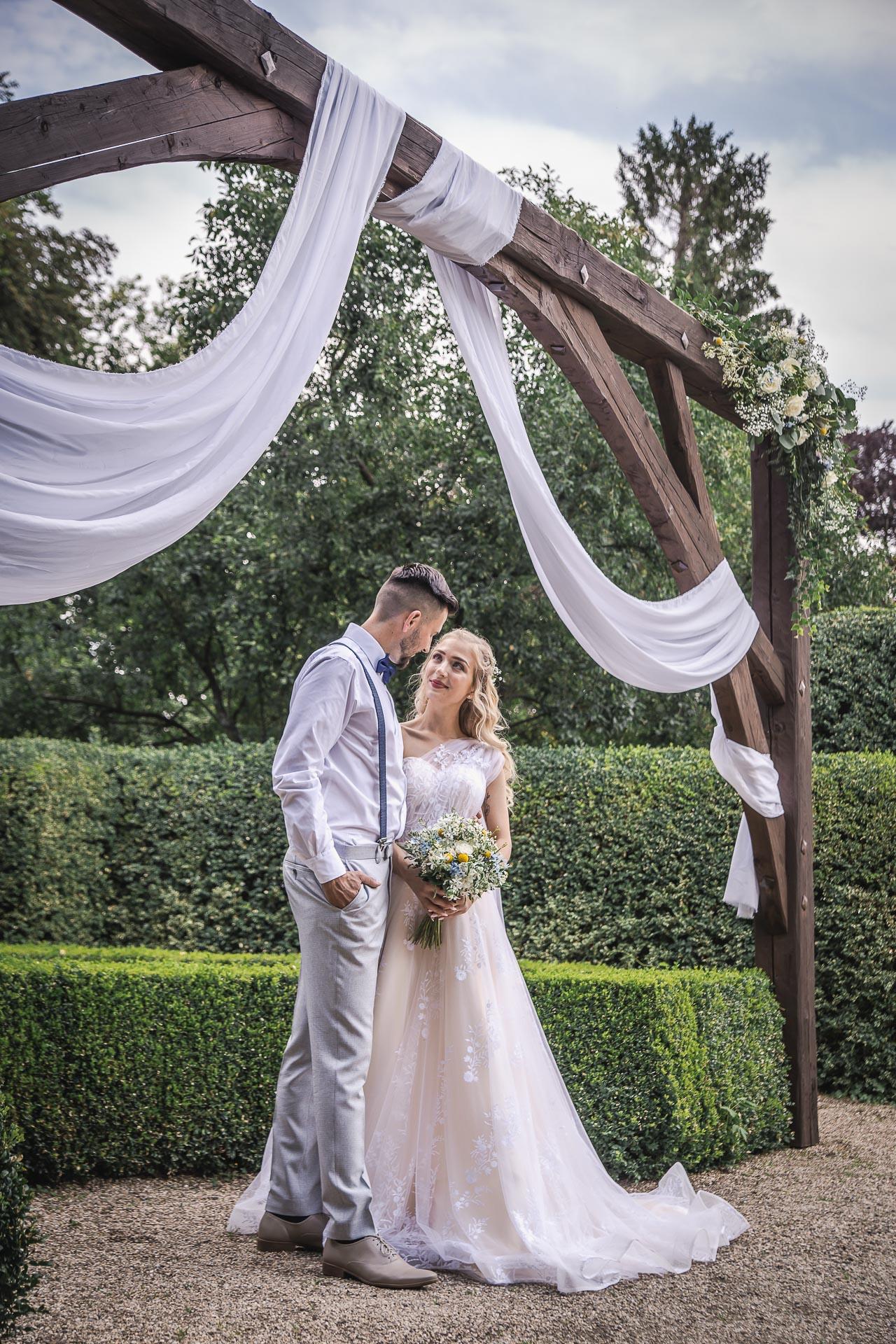 svatební-fotograf-zámek-Loučeň-svatební-video-zámek-Loučeň-4140