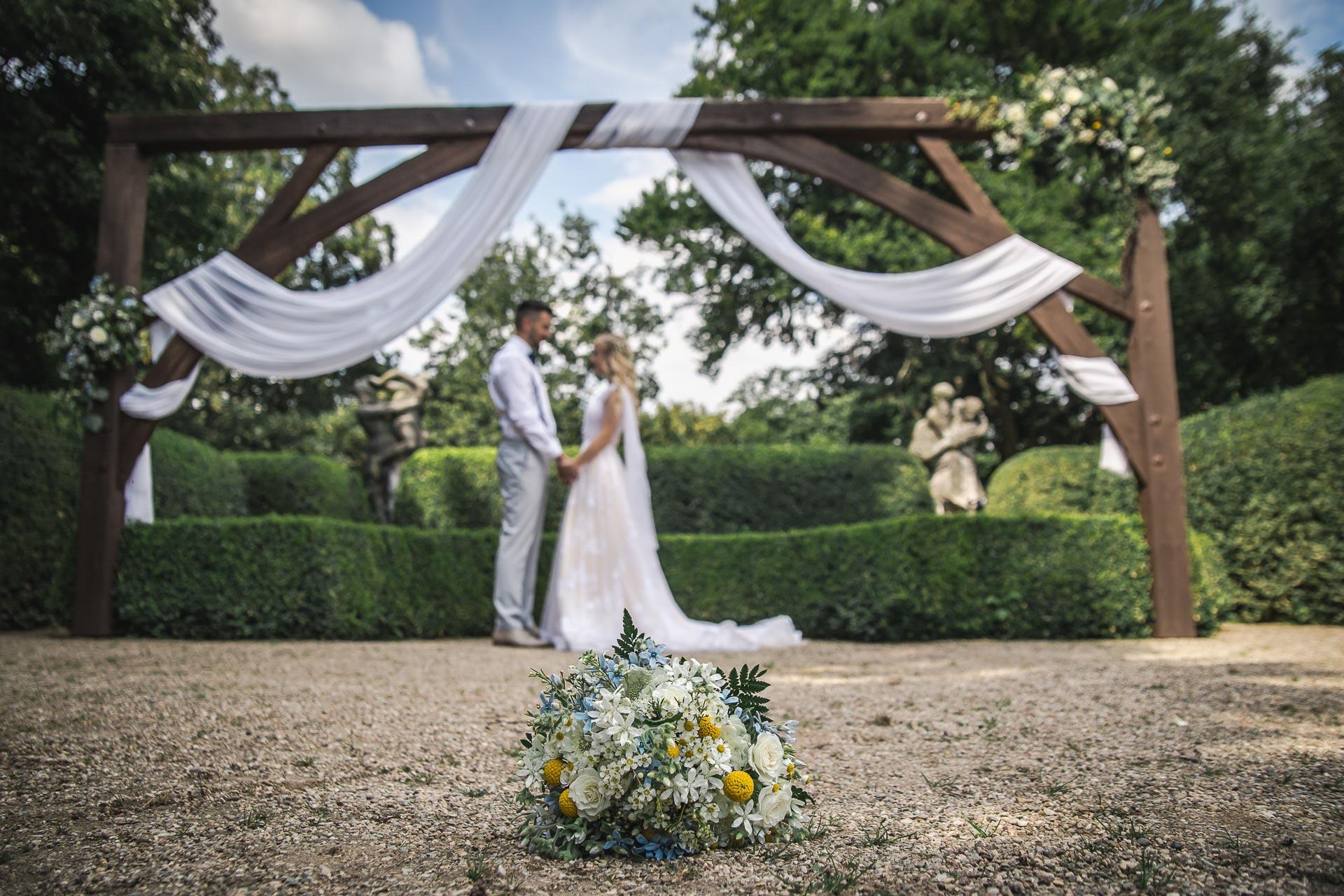 svatební-fotograf-zámek-Loučeň-svatební-video-zámek-Loučeň-4151