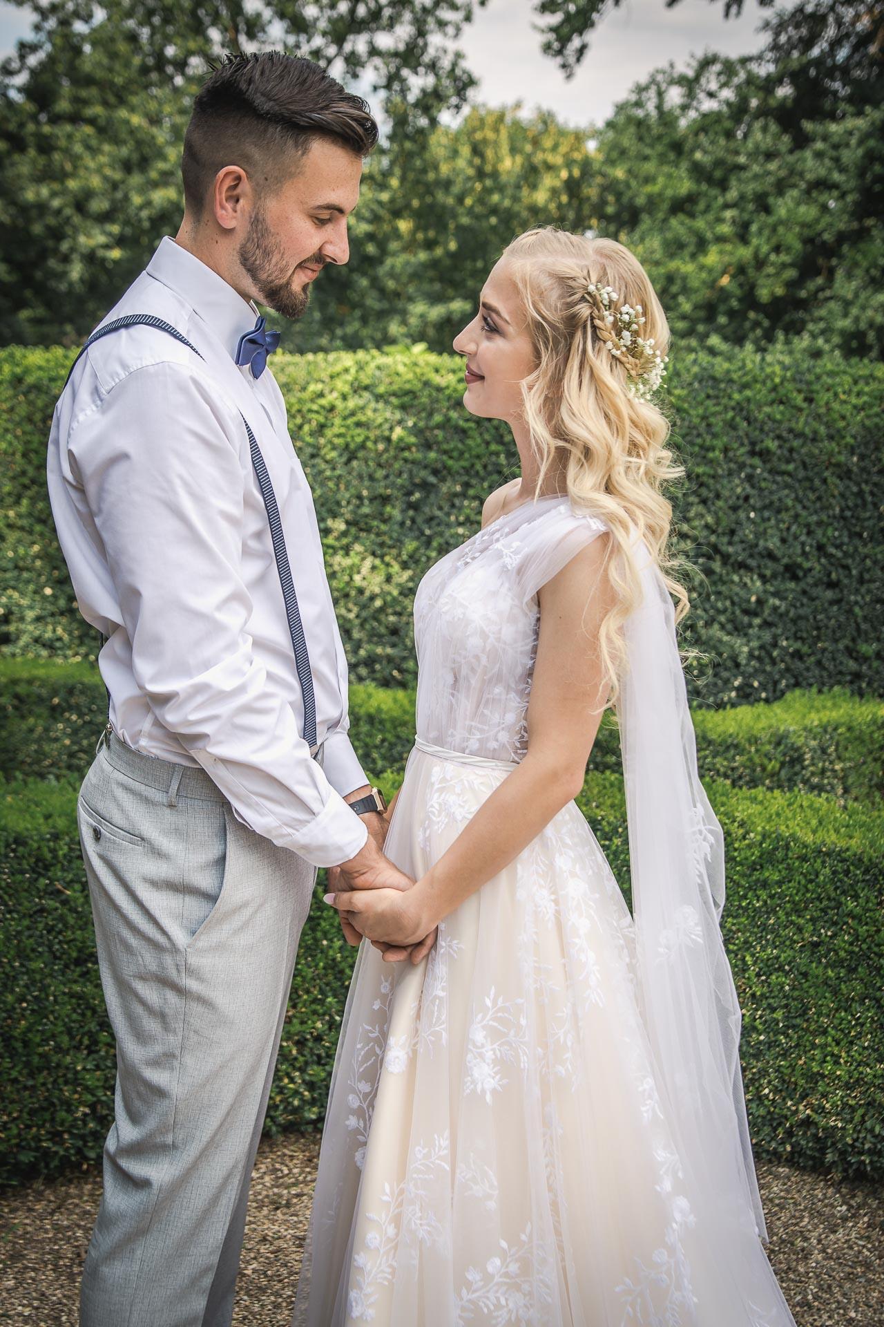 svatební-fotograf-zámek-Loučeň-svatební-video-zámek-Loučeň-4154