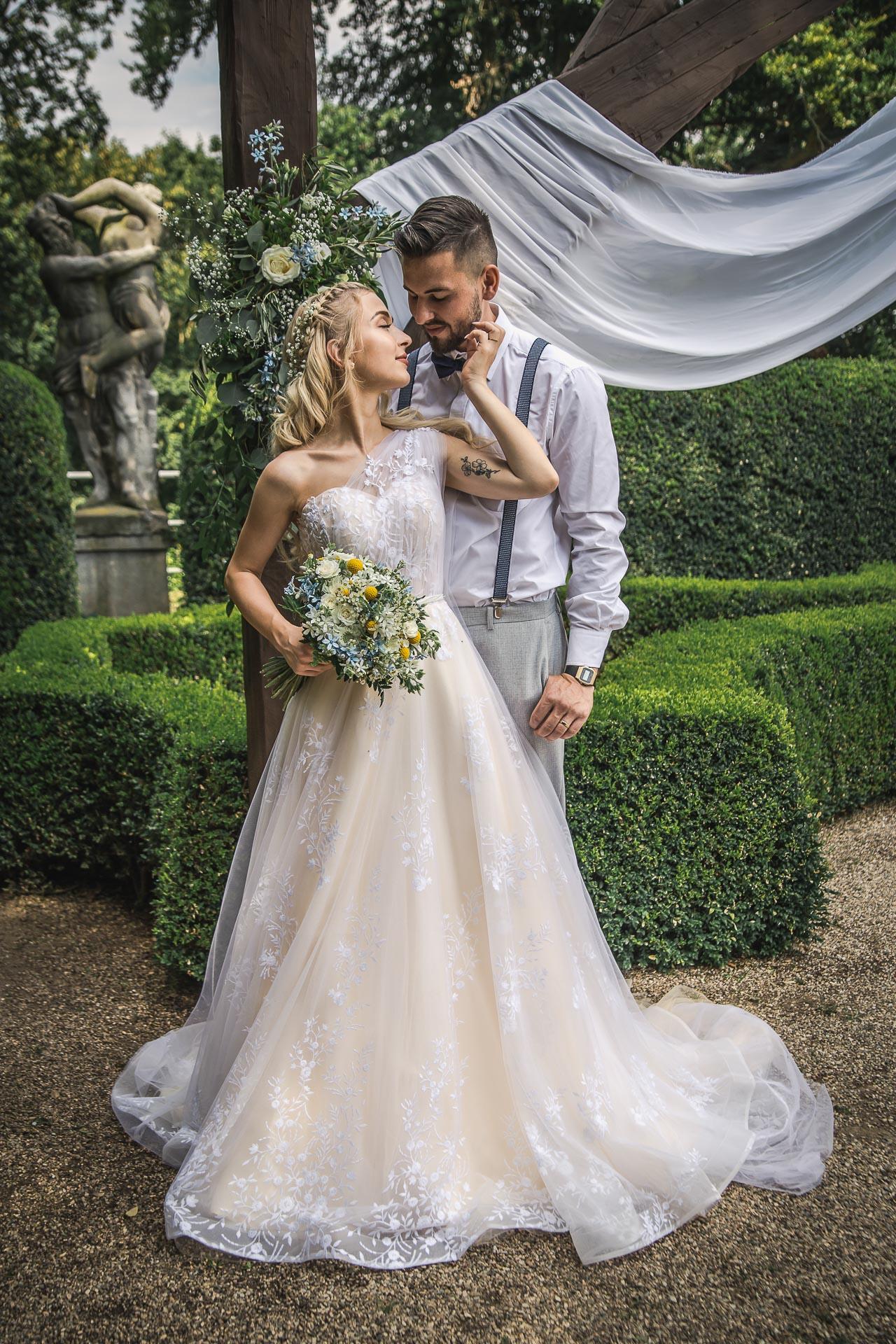 svatební-fotograf-zámek-Loučeň-svatební-video-zámek-Loučeň-4157