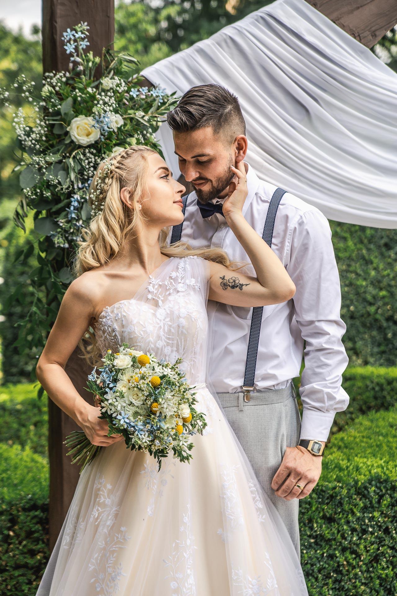 svatební-fotograf-zámek-Loučeň-svatební-video-zámek-Loučeň-4158
