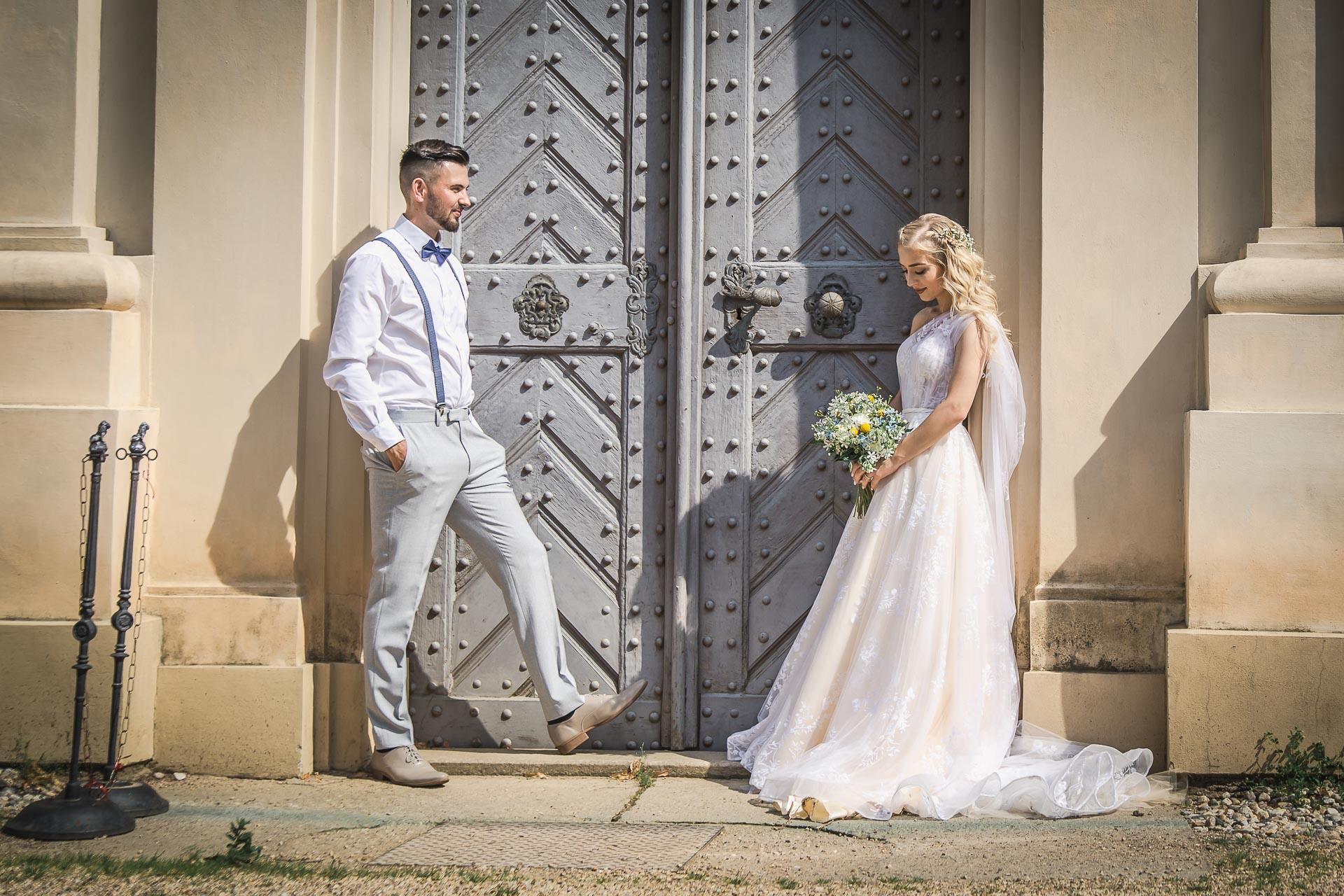 svatební-fotograf-zámek-Loučeň-svatební-video-zámek-Loučeň-4209