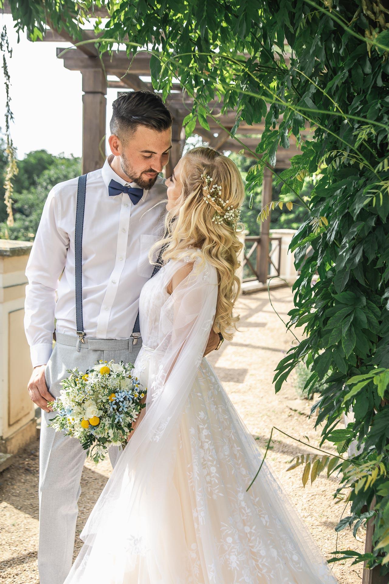 svatební-fotograf-zámek-Loučeň-svatební-video-zámek-Loučeň-4244