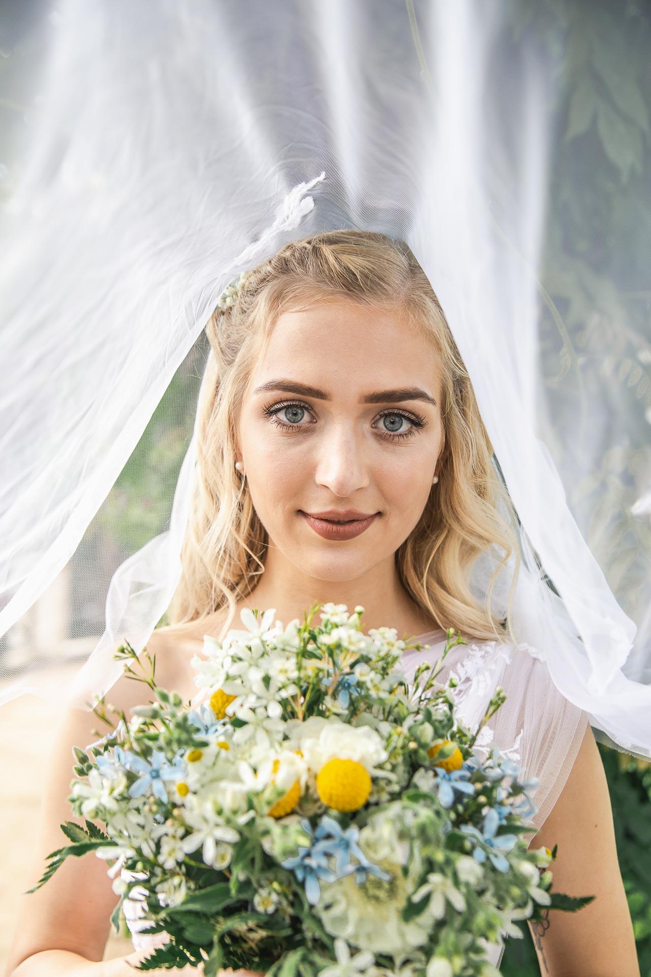 svatební-fotograf-zámek-Loučeň-svatební-video-zámek-Loučeň-4260