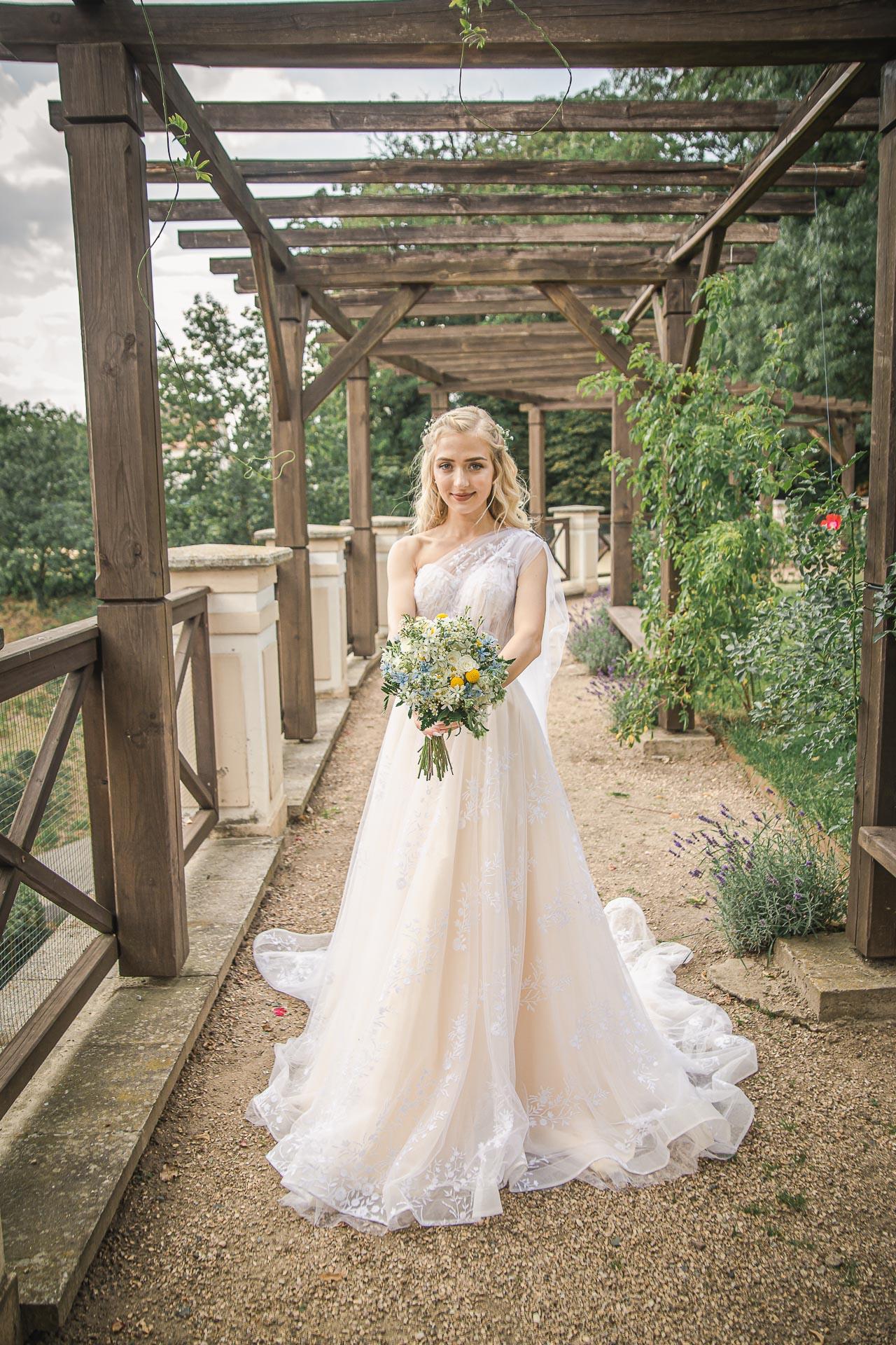 svatební-fotograf-zámek-Loučeň-svatební-video-zámek-Loučeň-4275