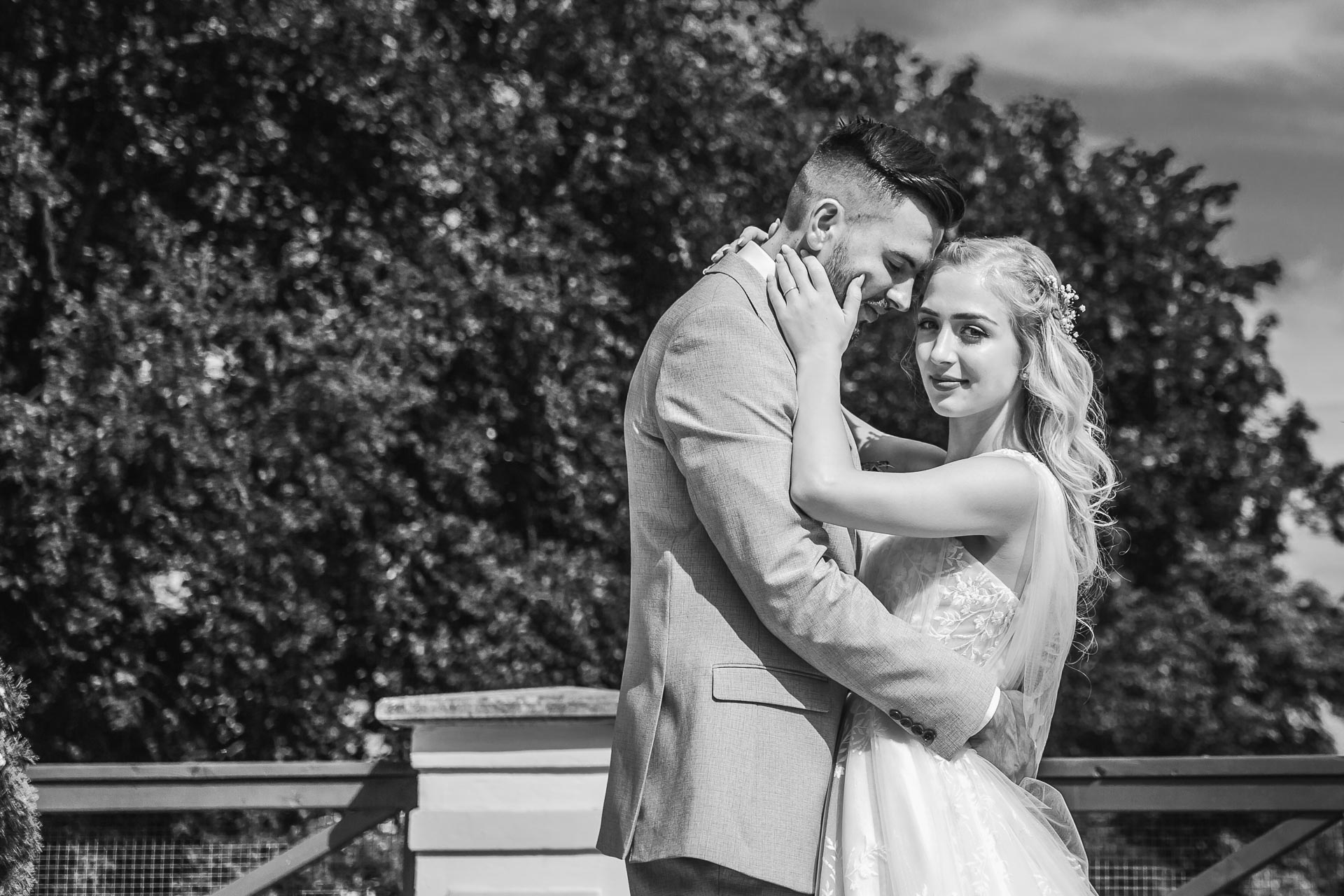 svatební-fotograf-zámek-Loučeň-svatební-video-zámek-Loučeň-4314