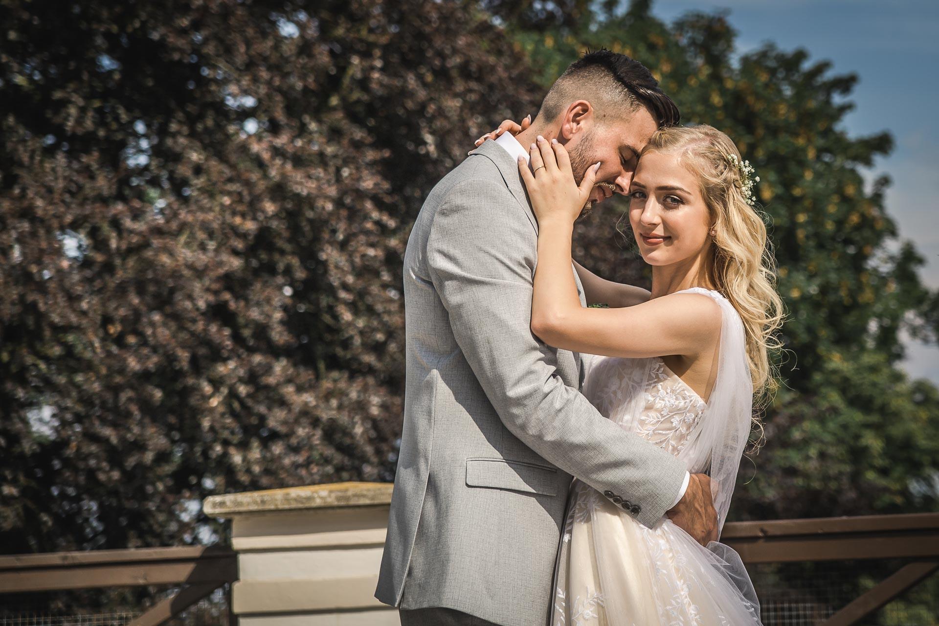 svatební-fotograf-zámek-Loučeň-svatební-video-zámek-Loučeň-4315
