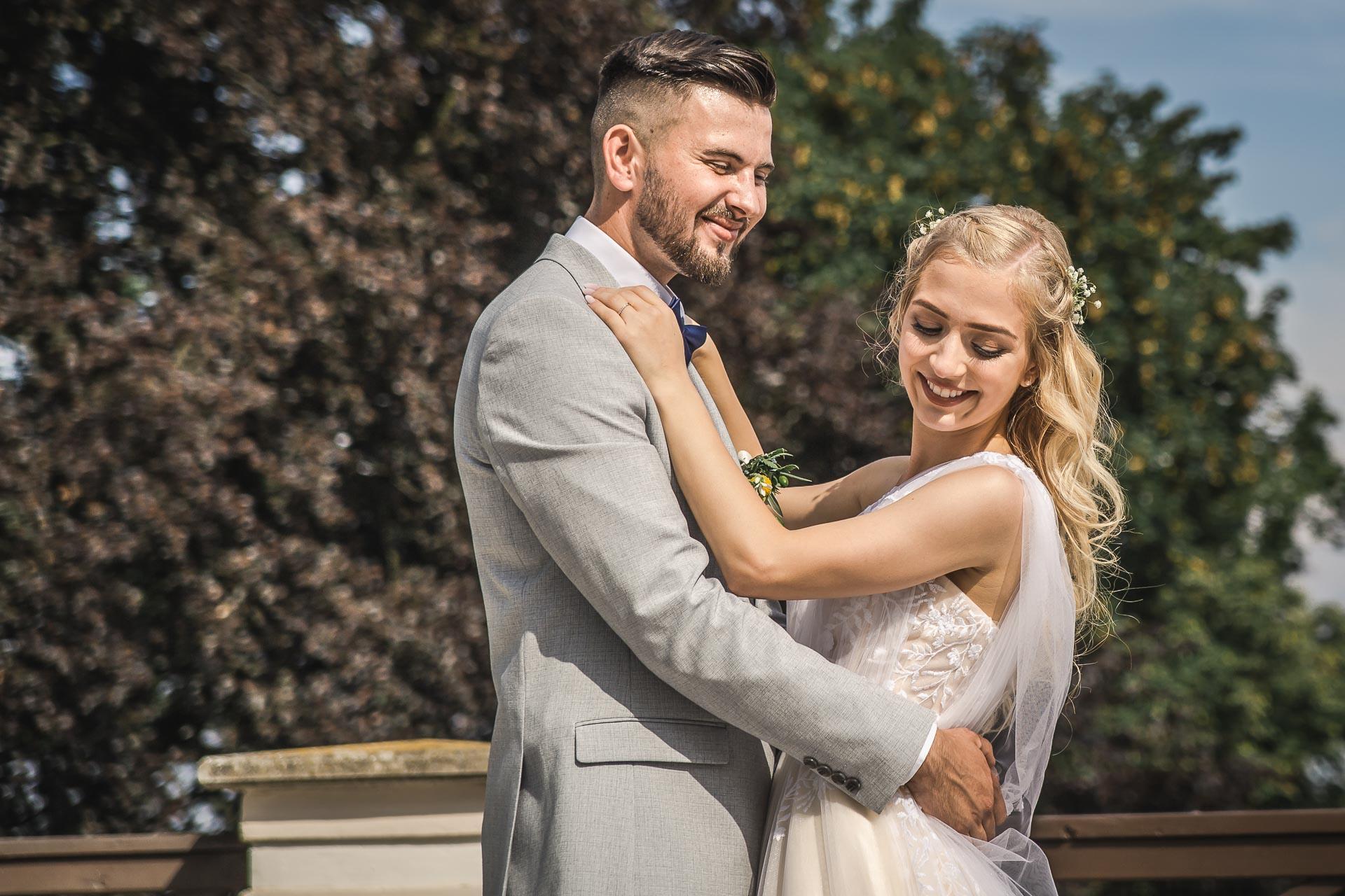 svatební-fotograf-zámek-Loučeň-svatební-video-zámek-Loučeň-4317