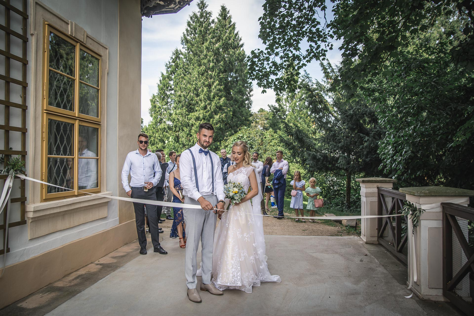 svatební-fotograf-zámek-Loučeň-svatební-video-zámek-Loučeň-4329