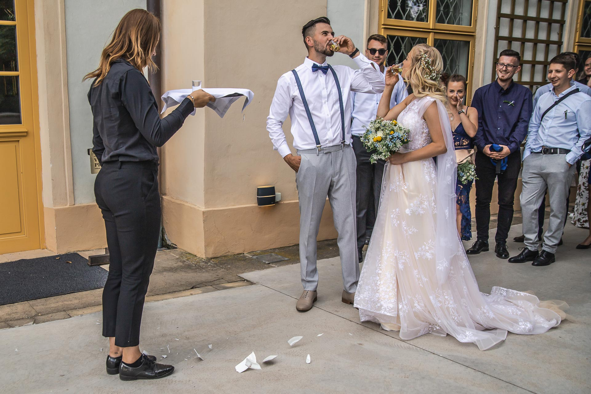 svatební-fotograf-zámek-Loučeň-svatební-video-zámek-Loučeň-4341