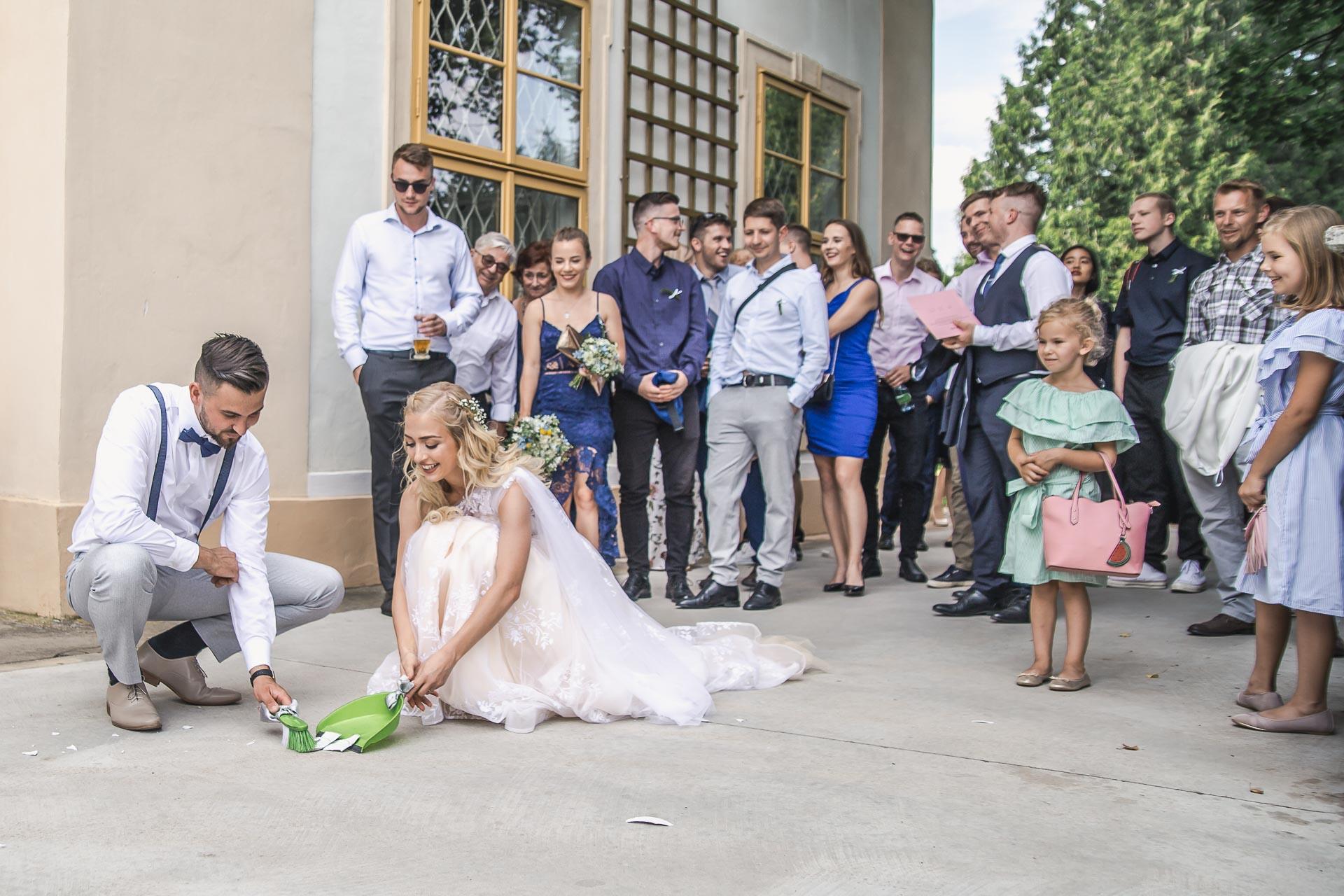 svatební-fotograf-zámek-Loučeň-svatební-video-zámek-Loučeň-4347