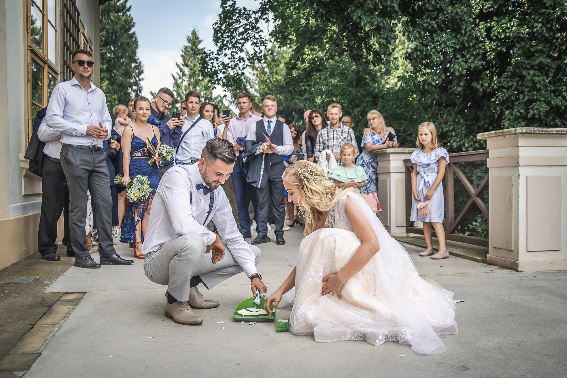 svatební-fotograf-zámek-Loučeň-svatební-video-zámek-Loučeň-4354