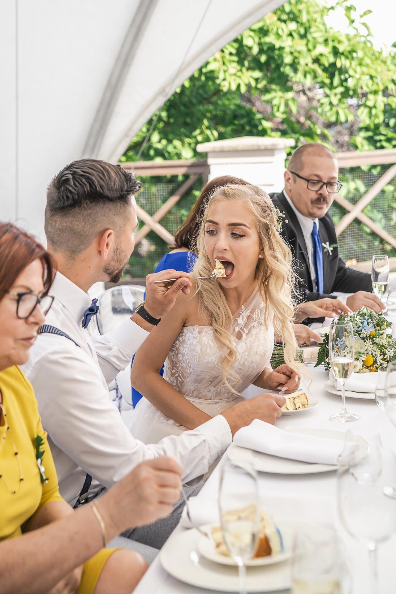 svatební-fotograf-zámek-Loučeň-svatební-video-zámek-Loučeň-4438