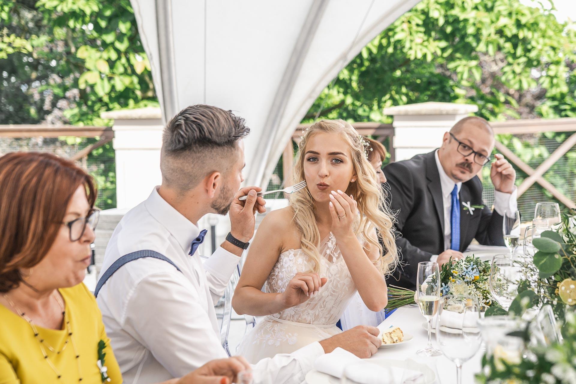 svatební-fotograf-zámek-Loučeň-svatební-video-zámek-Loučeň-4443