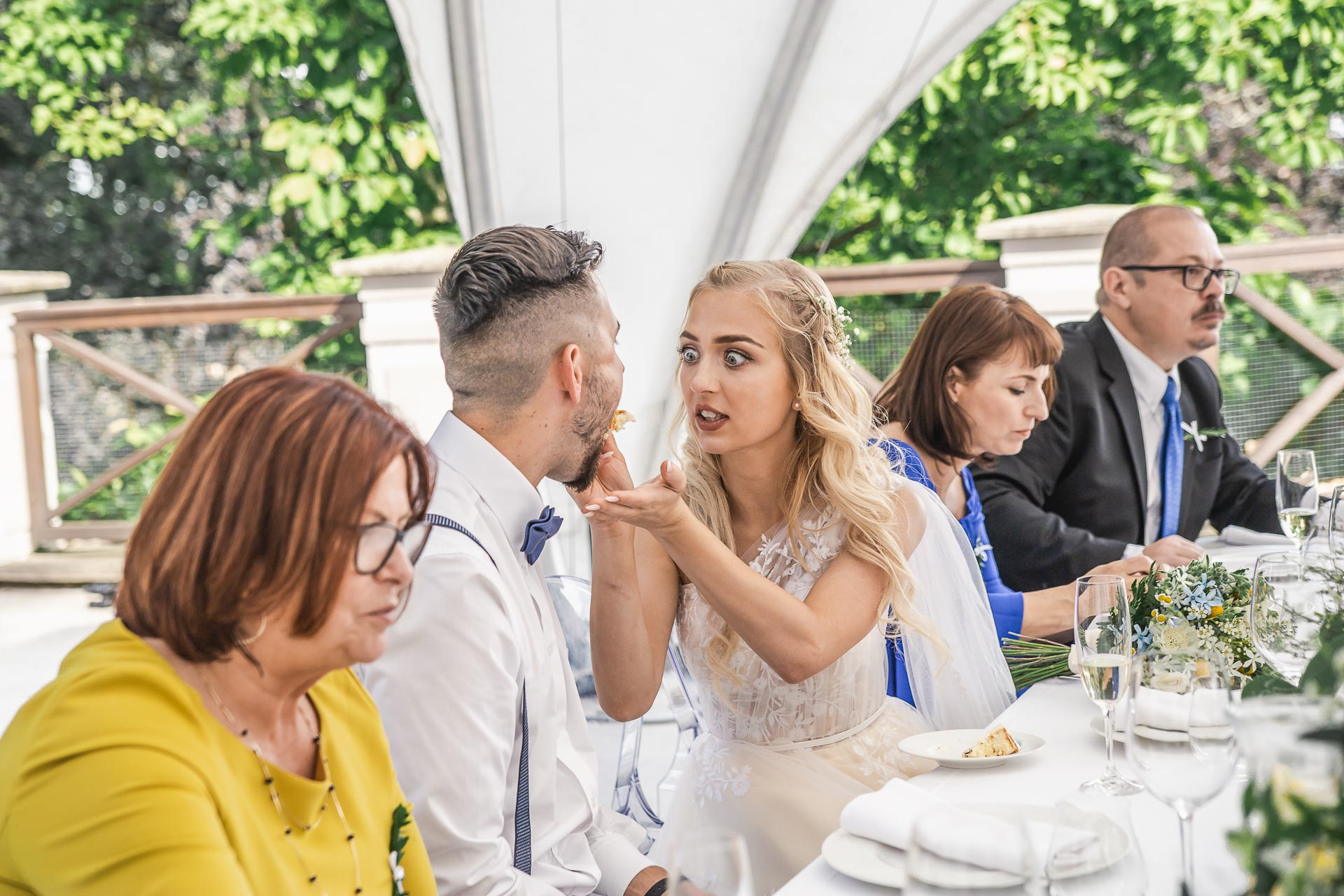 svatební-fotograf-zámek-Loučeň-svatební-video-zámek-Loučeň-4445