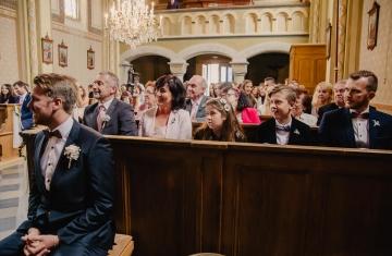 svatební fotograf Praha,svatba střední čechy, církevní obřad, svatba v kostele, nejhezčí svatební fotografie-2310