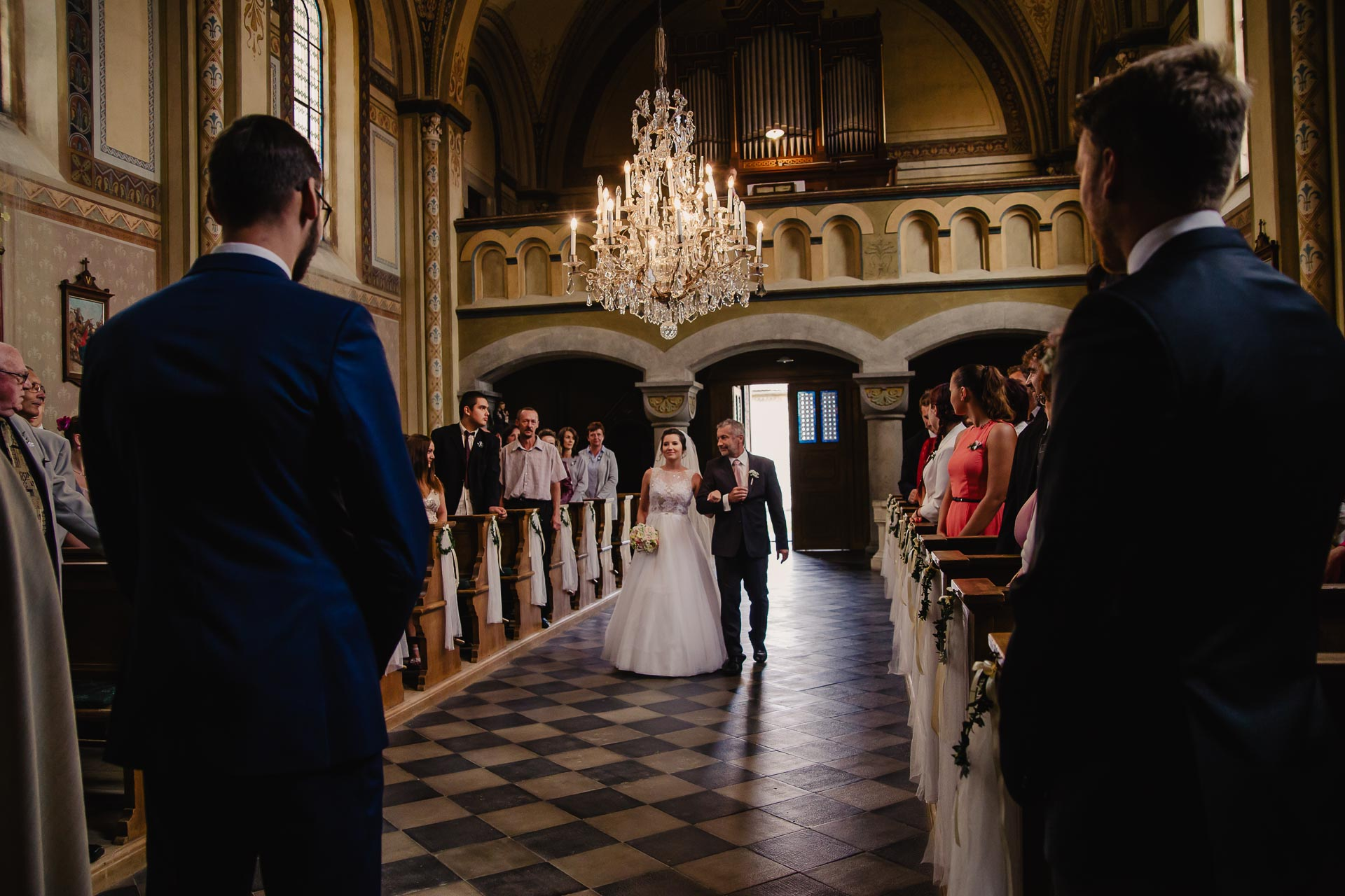 svatební fotograf Praha,svatba střední čechy, církevní obřad, svatba v kostele, nejhezčí svatební fotografie-2240