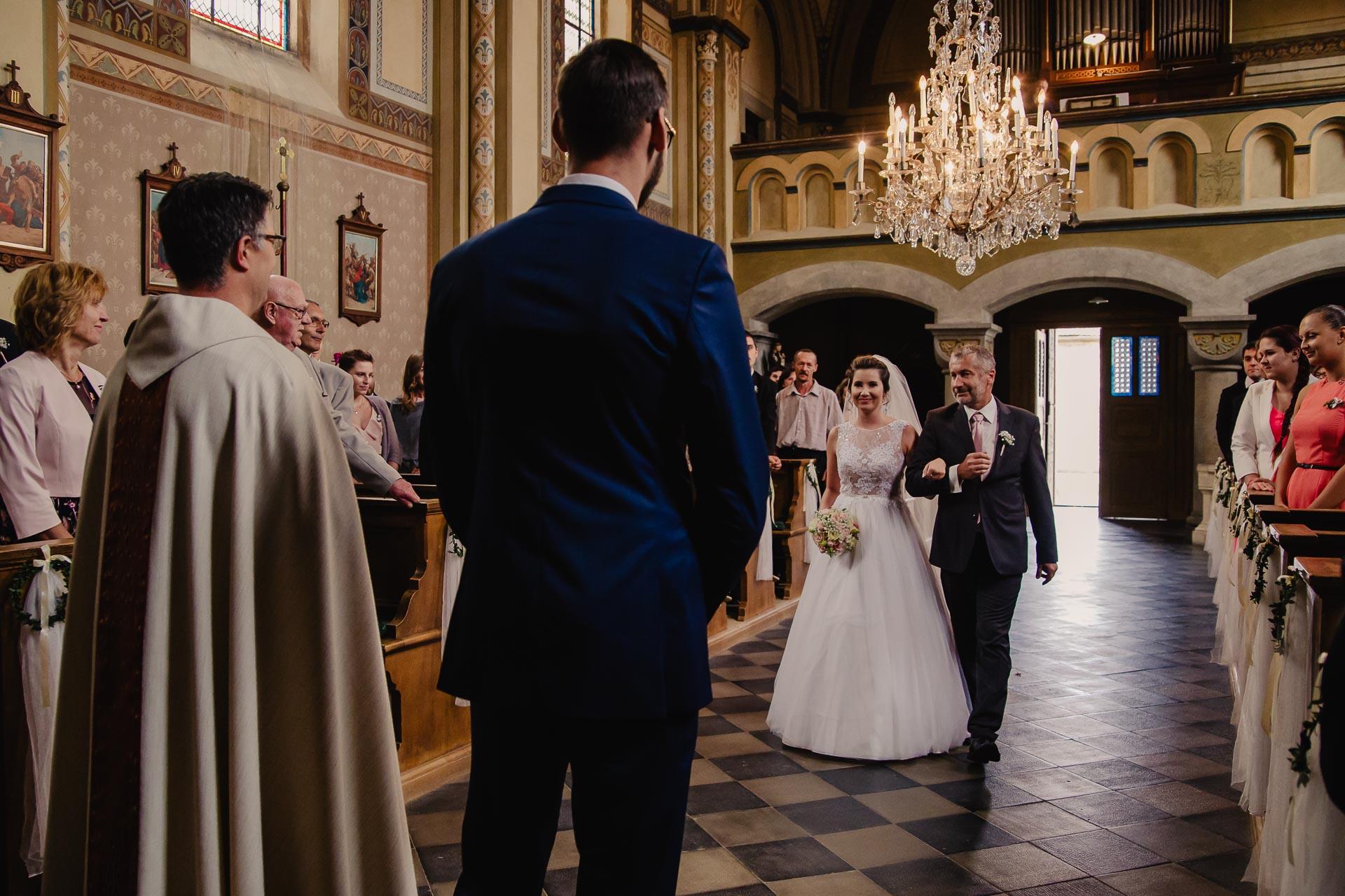 svatební fotograf Praha,svatba střední čechy, církevní obřad, svatba v kostele, nejhezčí svatební fotografie-2241