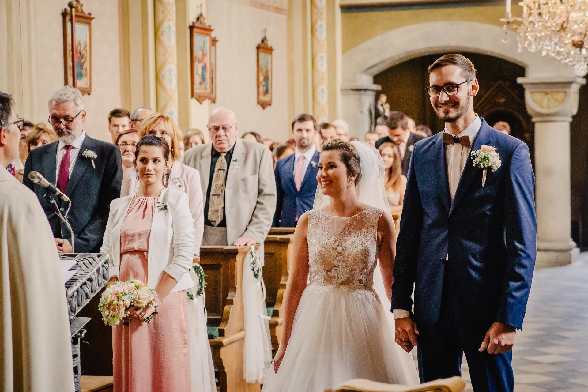 svatební fotograf Praha,svatba střední čechy, církevní obřad, svatba v kostele, nejhezčí svatební fotografie-2254