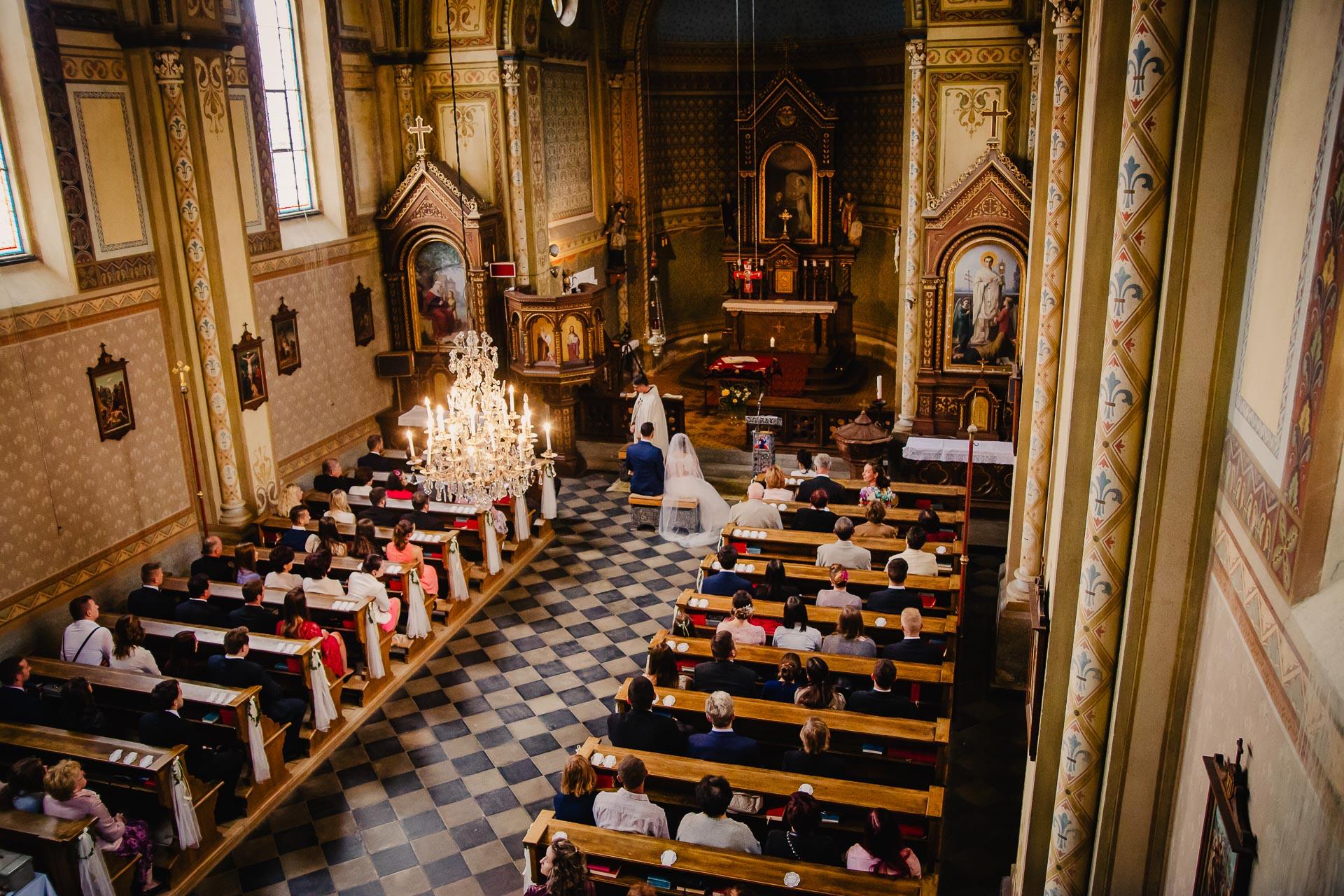 svatební fotograf Praha,svatba střední čechy, církevní obřad, svatba v kostele, nejhezčí svatební fotografie-2276
