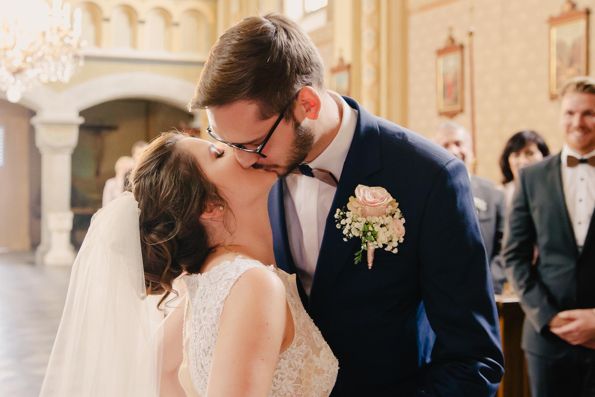 svatební fotograf Praha,svatba střední čechy, církevní obřad, svatba v kostele, nejhezčí svatební fotografie-2383