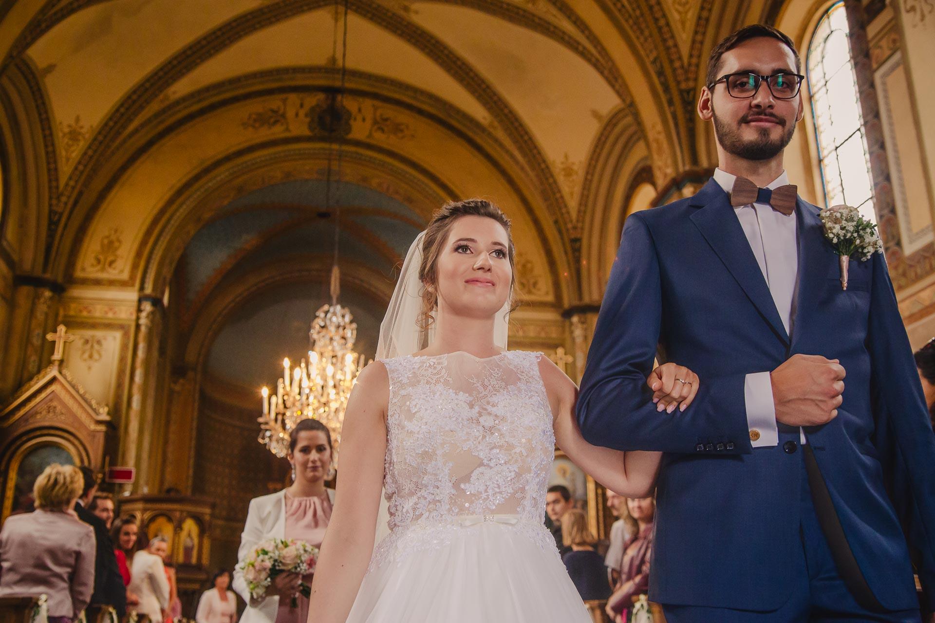 svatební fotograf Praha,svatba střední čechy, církevní obřad, svatba v kostele, nejhezčí svatební fotografie-2424