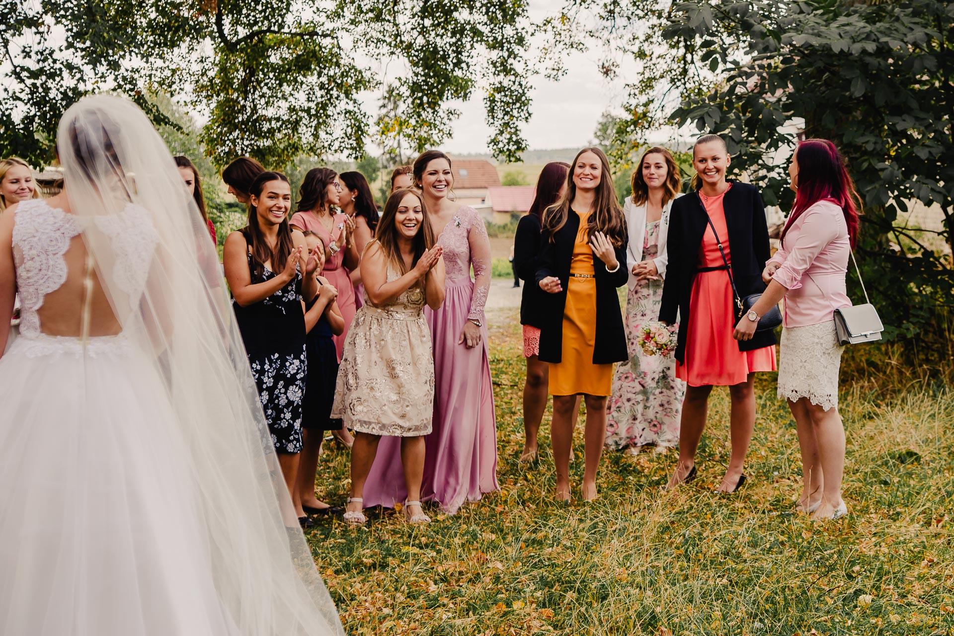 svatební fotograf Praha,svatba střední čechy, církevní obřad, svatba v kostele, nejhezčí svatební fotografie-2650