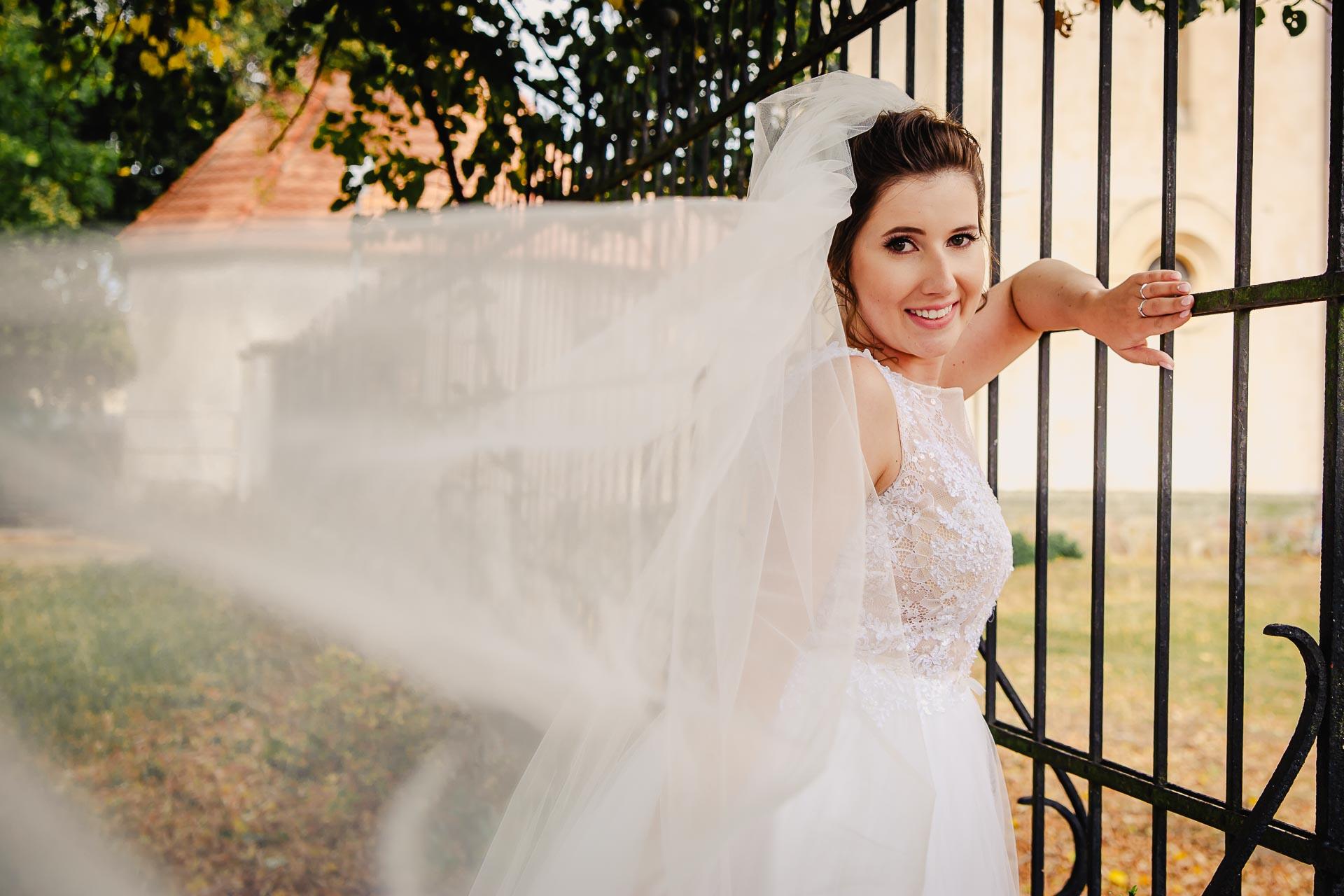 svatební fotograf Praha,svatba střední čechy, církevní obřad, svatba v kostele, nejhezčí svatební fotografie-2937
