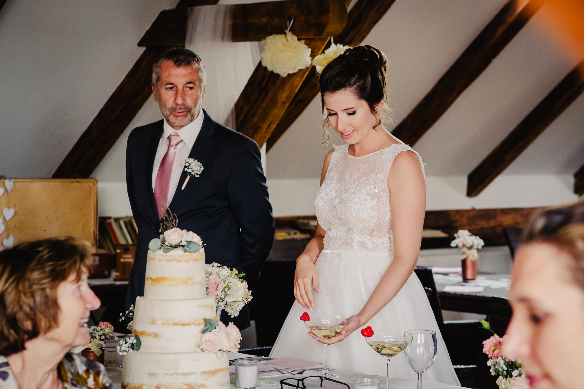 svatební fotograf Praha,svatba střední čechy, církevní obřad, svatba v kostele, nejhezčí svatební fotografie-3026