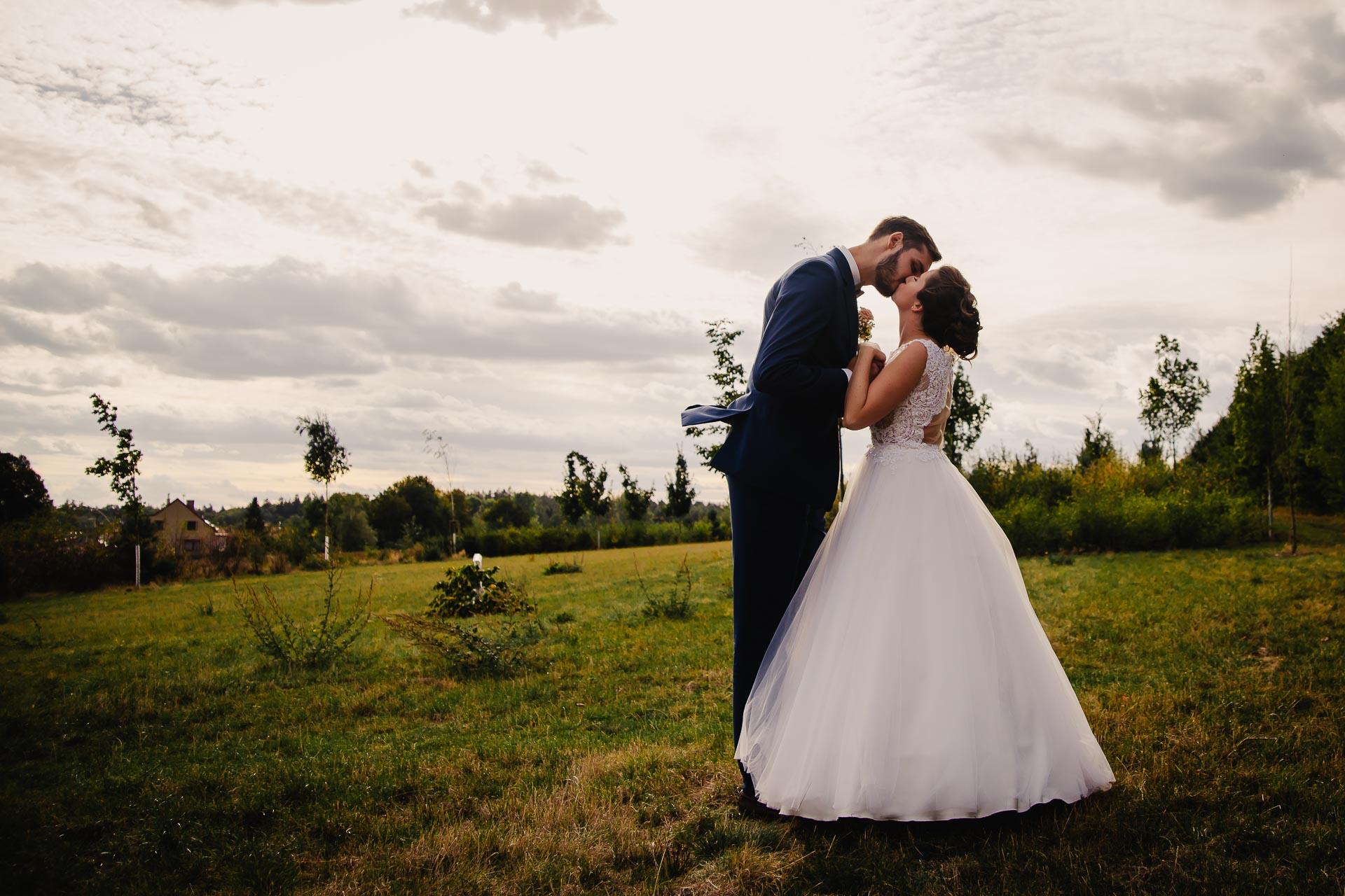 svatební fotograf Praha,svatba střední čechy, církevní obřad, svatba v kostele, nejhezčí svatební fotografie-3157