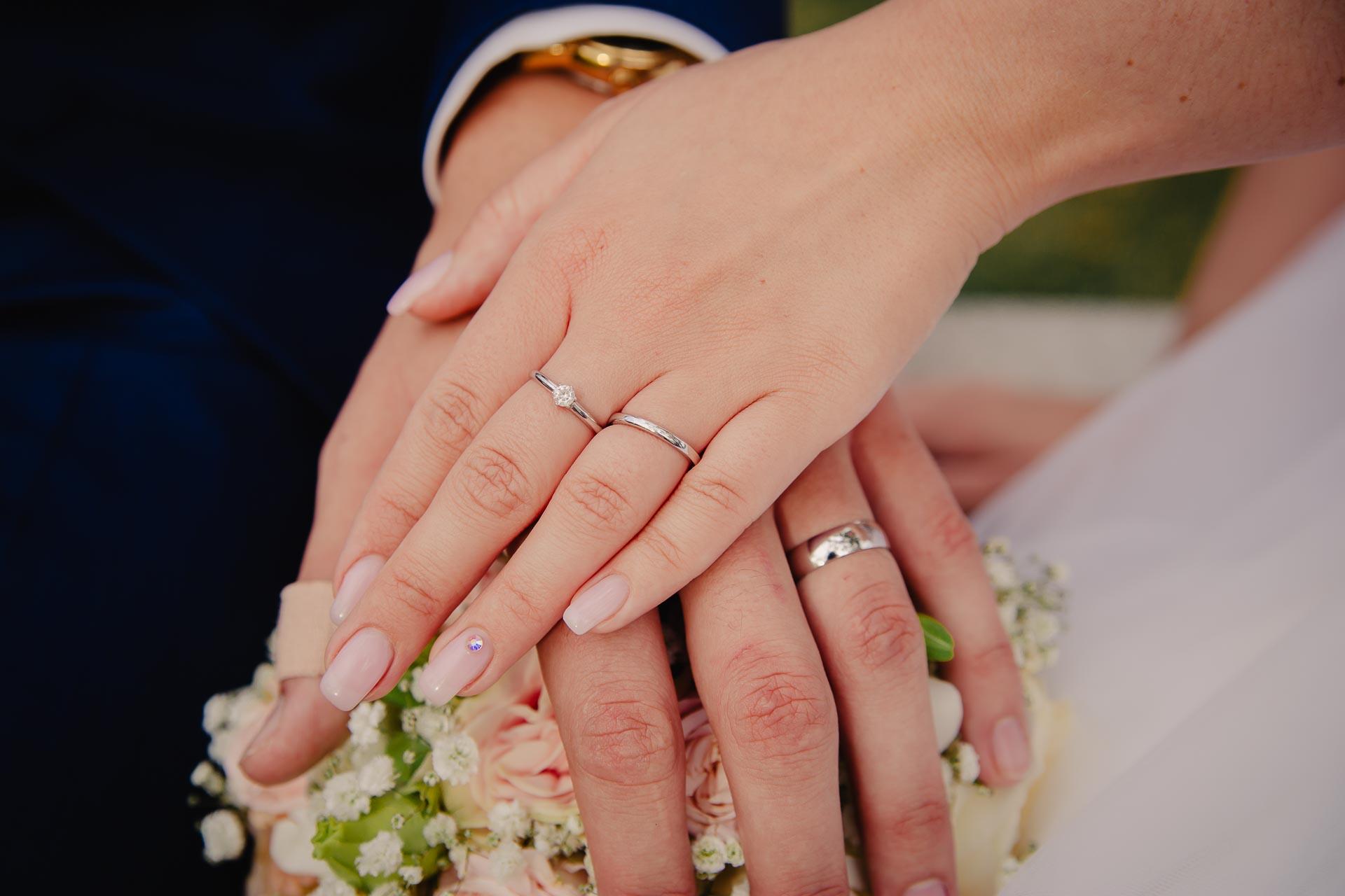 svatební fotograf Praha,svatba střední čechy, církevní obřad, svatba v kostele, nejhezčí svatební fotografie-3239