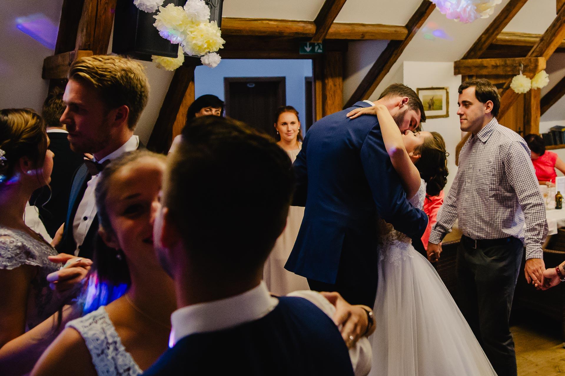 svatební fotograf Praha,svatba střední čechy, církevní obřad, svatba v kostele, nejhezčí svatební fotografie-3392