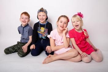 ateliérové fotografie dětí, teenager, rodinné focení, fotografie dětí, fotografie sourozenců-8694