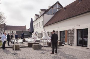 svatba Jana & Michal, Yard Resort, Předboj u Prahy - svatební fotograf a svatební kameraman Studio Beautyfoto 19