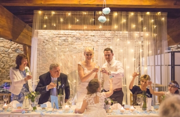 svatba Jana & Michal, Yard Resort, Předboj u Prahy - svatební fotograf a svatební kameraman Studio Beautyfoto -233