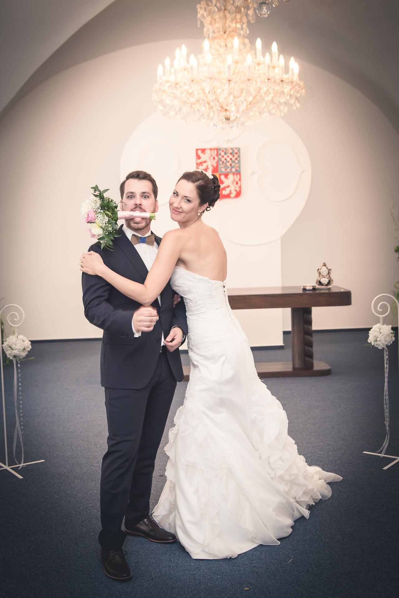 Svatební fotografie Katka 8 Přemda zámek Duchcov, Teplice - svatební fotograf, studio Beautyfoto